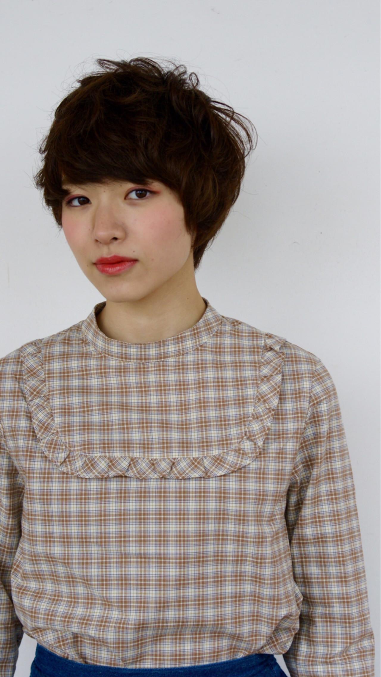 レイヤーカット アッシュ パーマ 前髪あり ヘアスタイルや髪型の写真・画像 | 井上俊平 / HAIRWORKS bona.