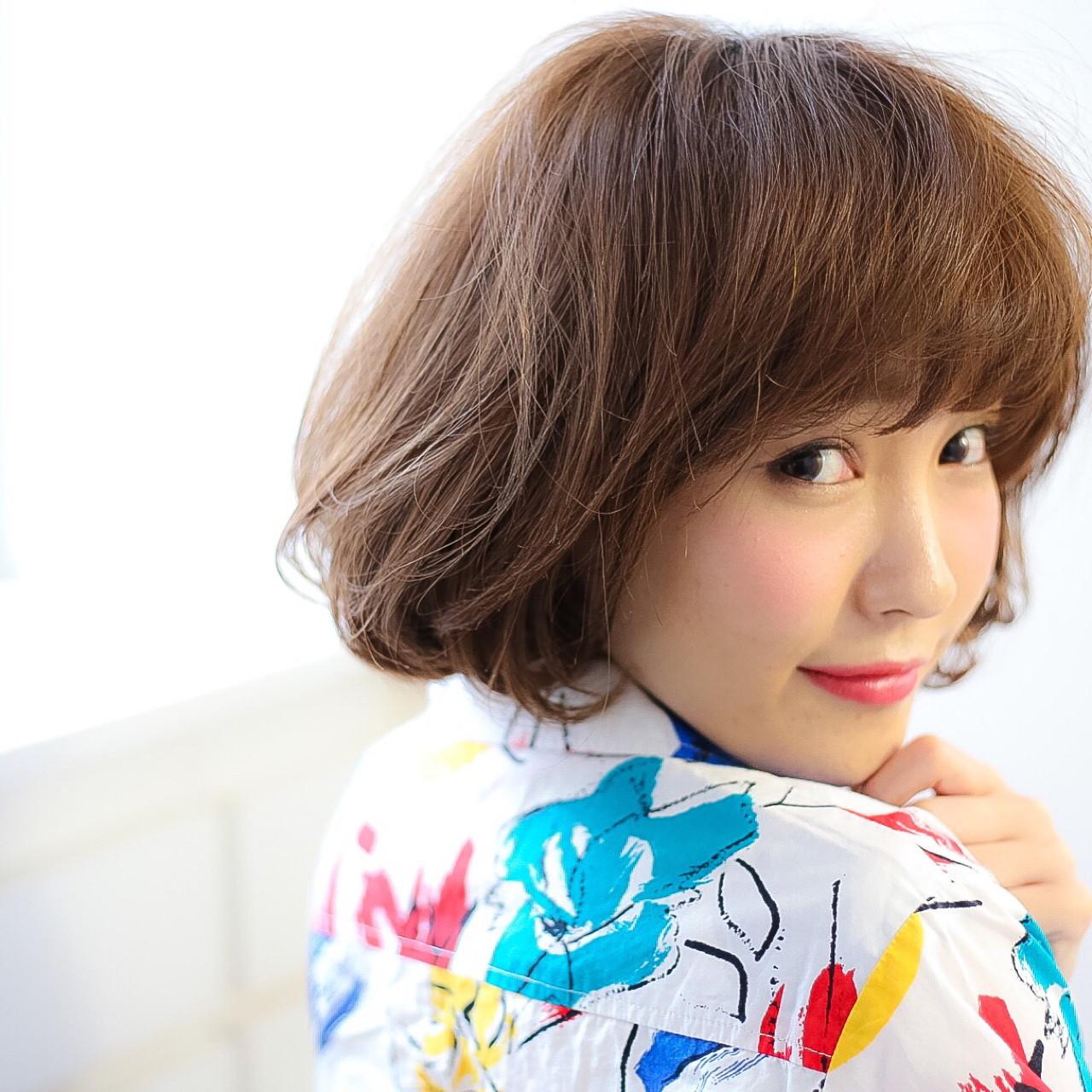 ゆるふわ フェミニン シースルーバング カール ヘアスタイルや髪型の写真・画像 | 矢野敏康 / elirs