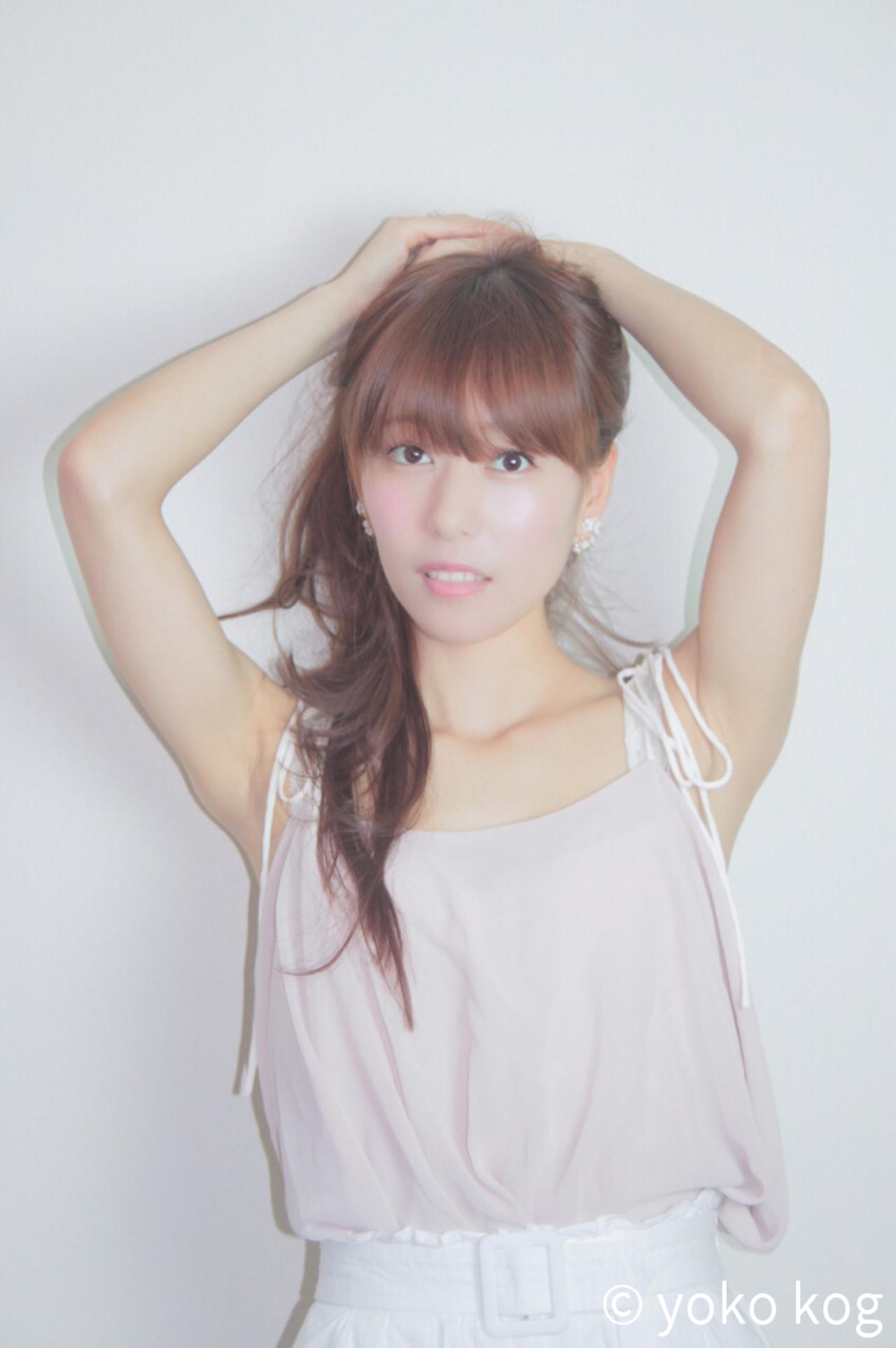 フェミニン 艶髪 簡単ヘアアレンジ ロング ヘアスタイルや髪型の写真・画像   yoko kog /