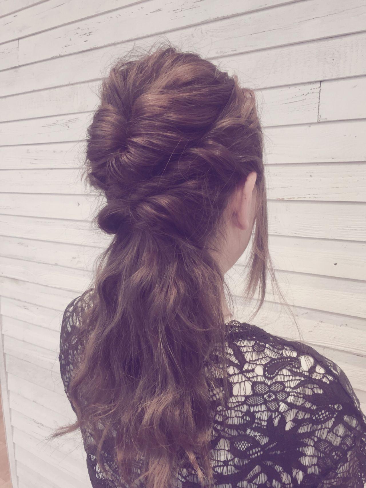 ゆるふわ ヘアアレンジ くるりんぱ フェミニンヘアスタイルや髪型の写真・画像