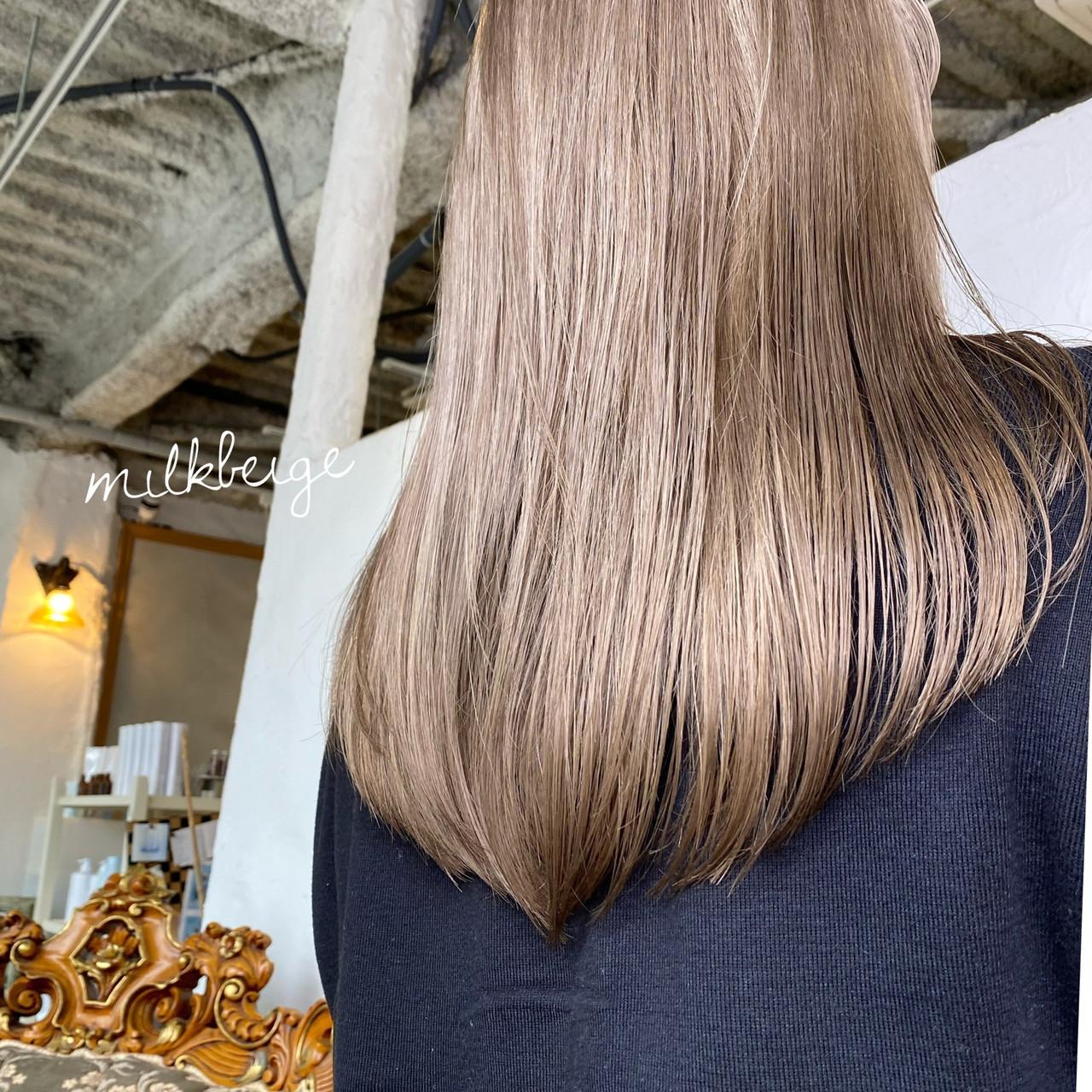ナチュラル ロング ミルクティーベージュ ミルクティー ヘアスタイルや髪型の写真・画像 | aya / RITA&Co.大宮東口店