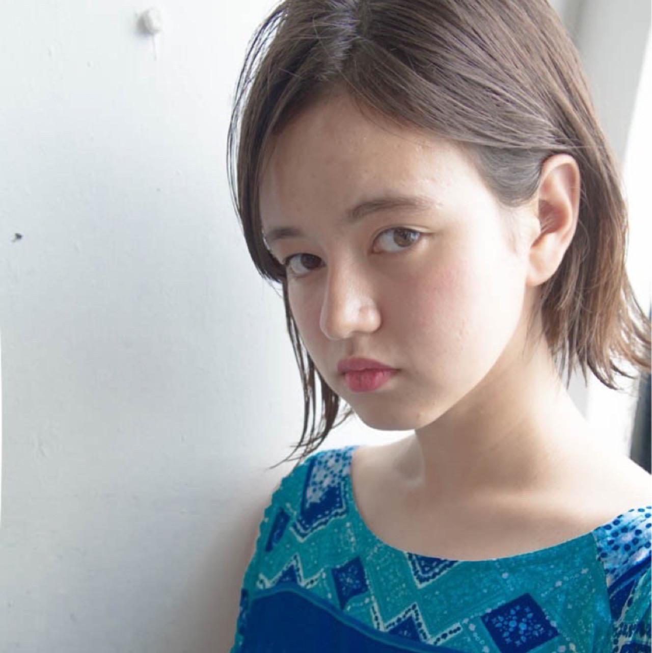 グレージュ ハイライト ボブ 外国人風 ヘアスタイルや髪型の写真・画像 | 小西敬二郎 / Heartim