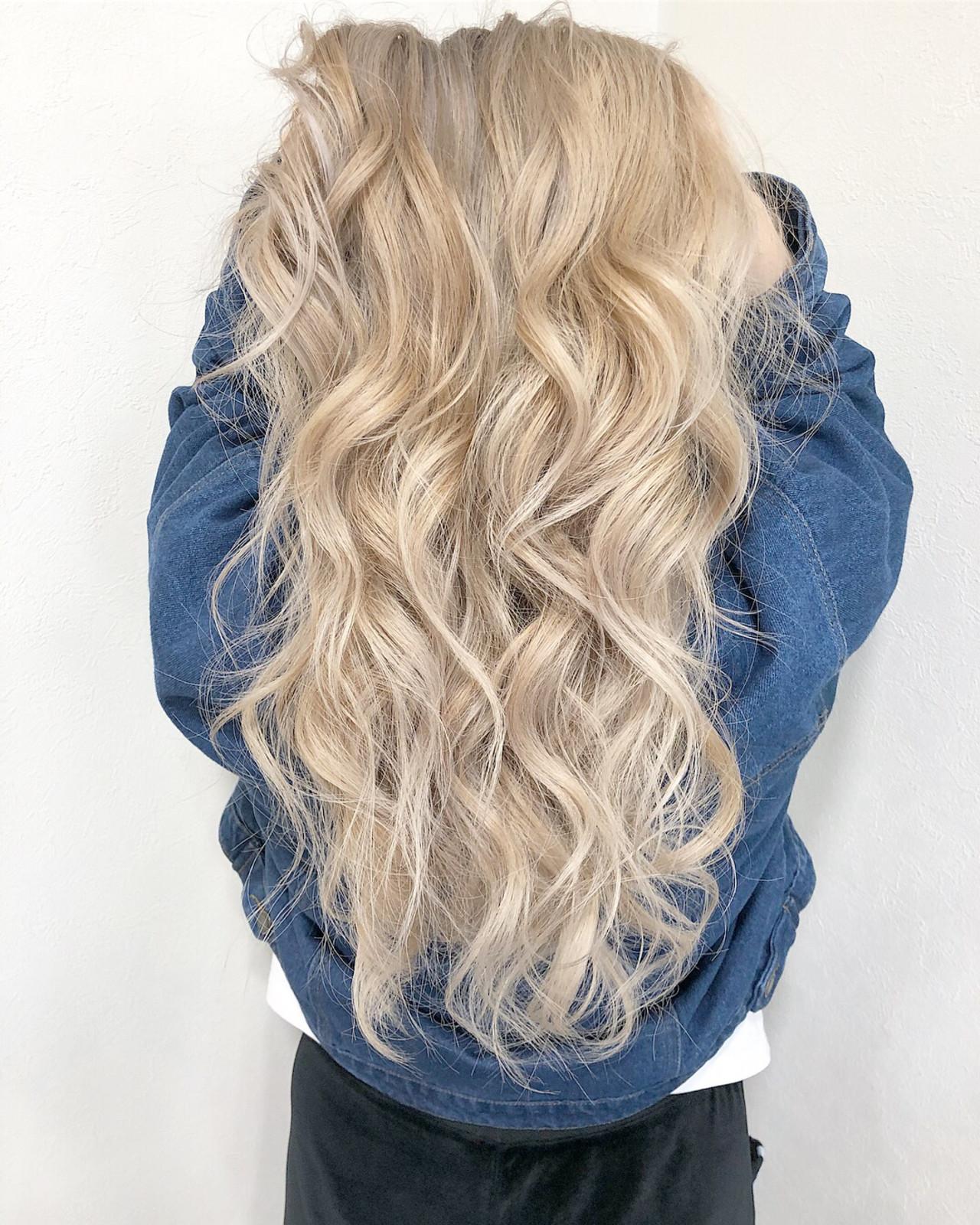ブロンドカラー ブリーチ エレガント ロング ヘアスタイルや髪型の写真・画像   ヤマグチ ヒカル / Vida creative hair salon