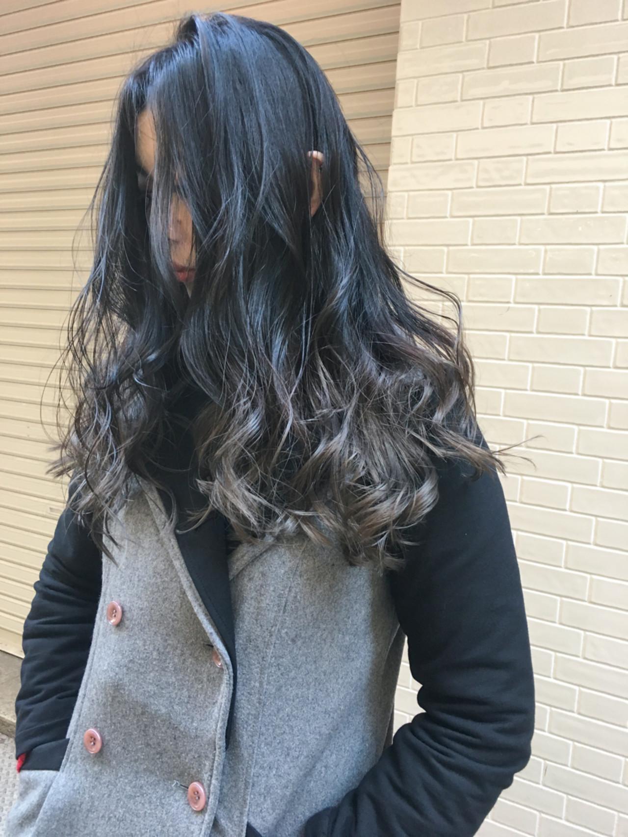 グレージュ エレガント 外国人風 グラデーションカラーヘアスタイルや髪型の写真・画像