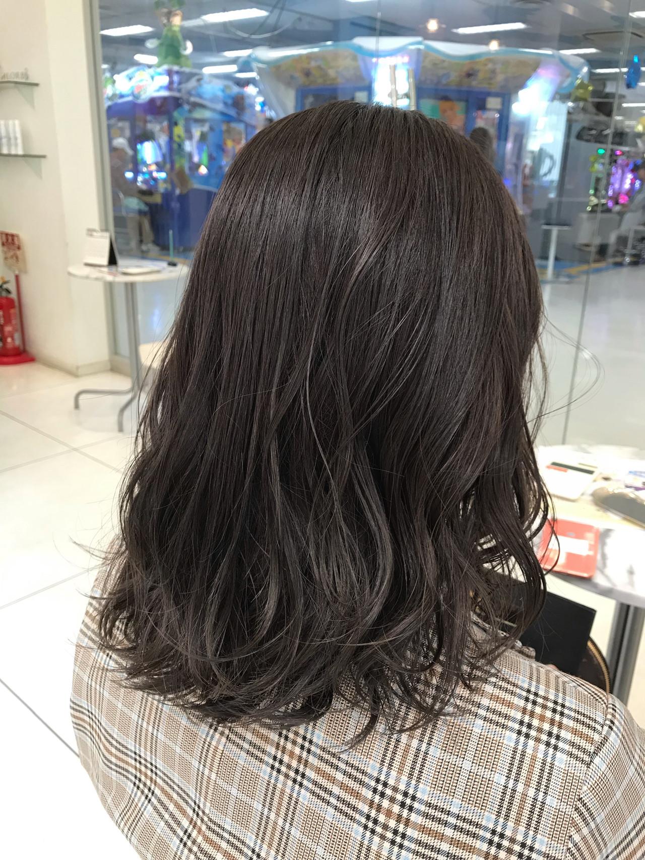 ミディアム ハイライト 3Dハイライト ナチュラルヘアスタイルや髪型の写真・画像
