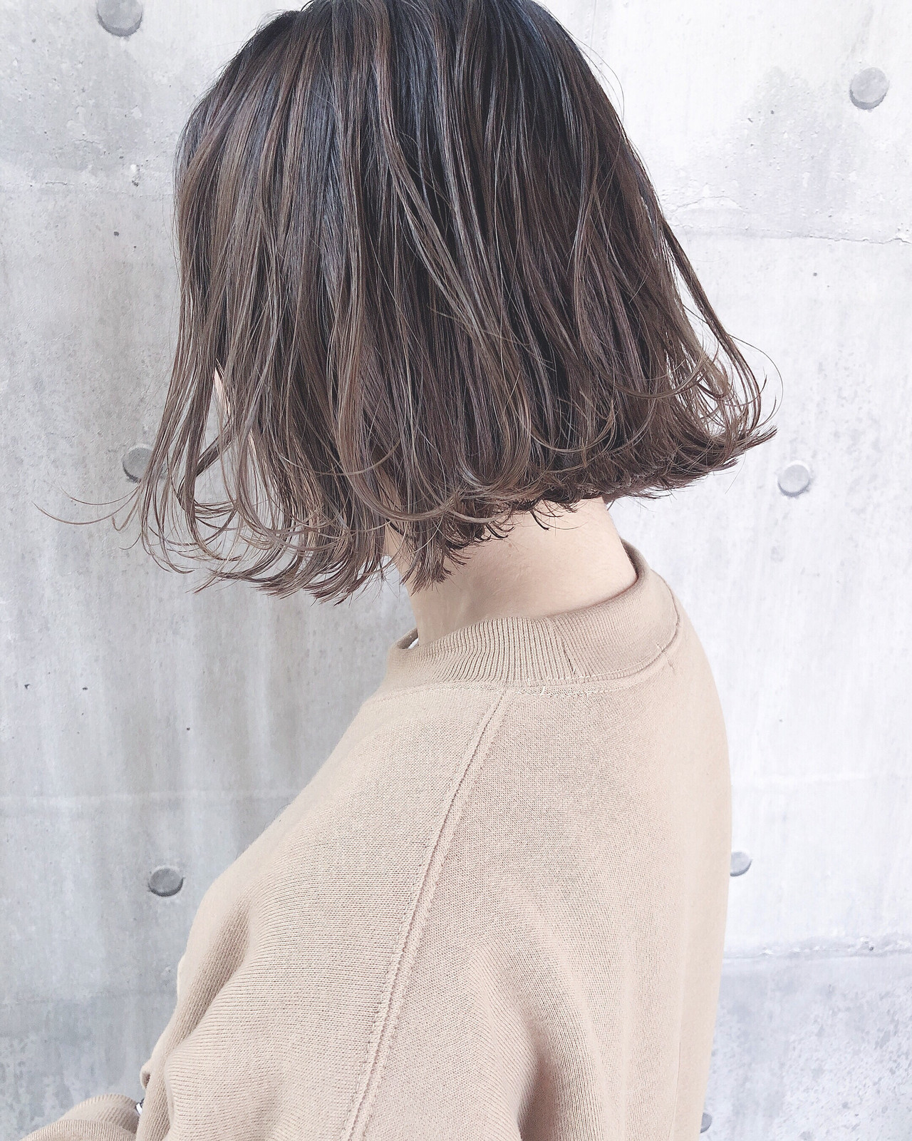 ミルクグレージュ パーマ ボブ ミルクティーグレージュ ヘアスタイルや髪型の写真・画像   上田智久 / ooit 福岡 天神 / ooit