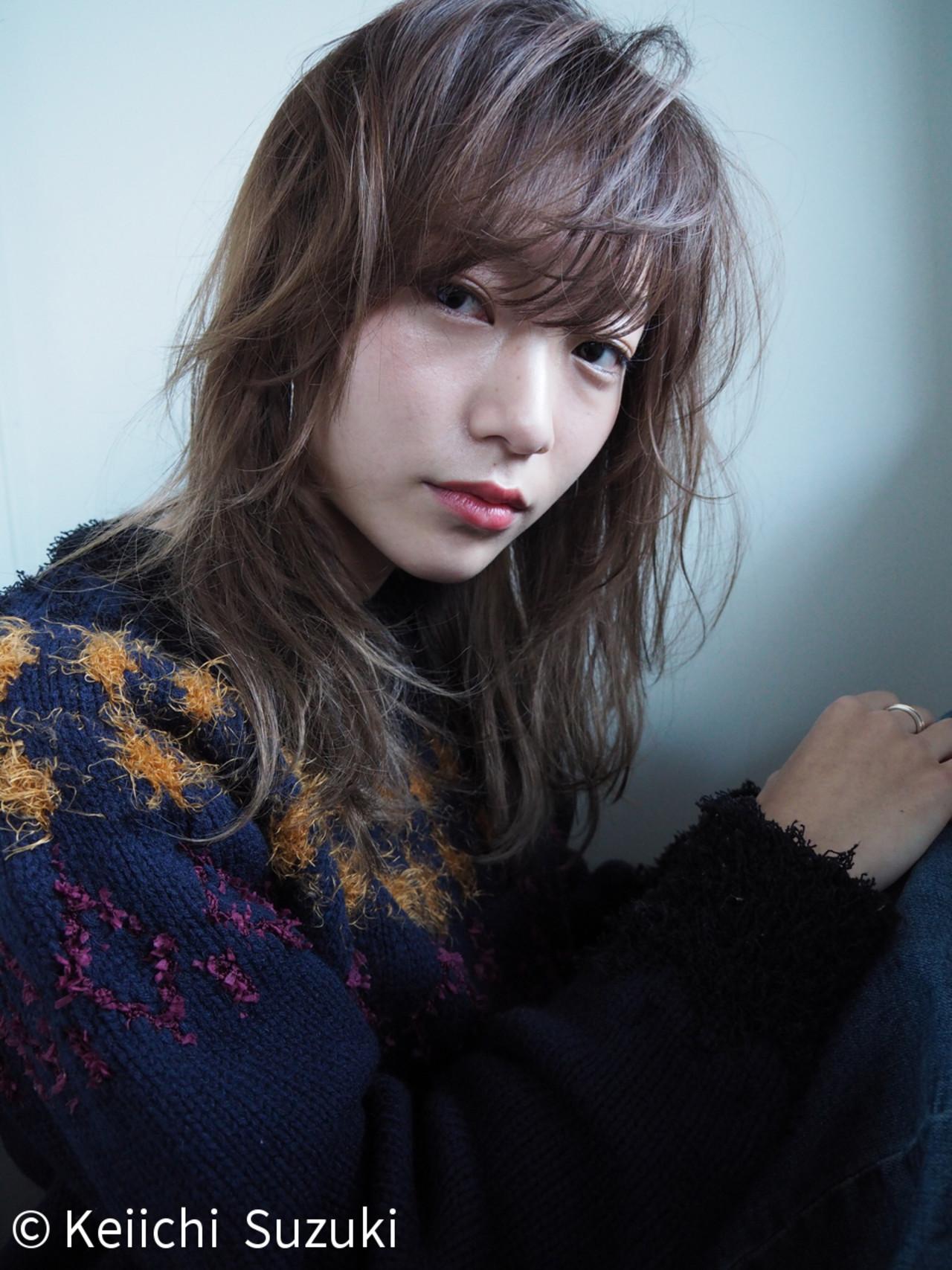 ナチュラル アッシュ セミロング 透明感 ヘアスタイルや髪型の写真・画像 | Keiichi Suzuki/鈴木圭一 / CALVINA&LOWE