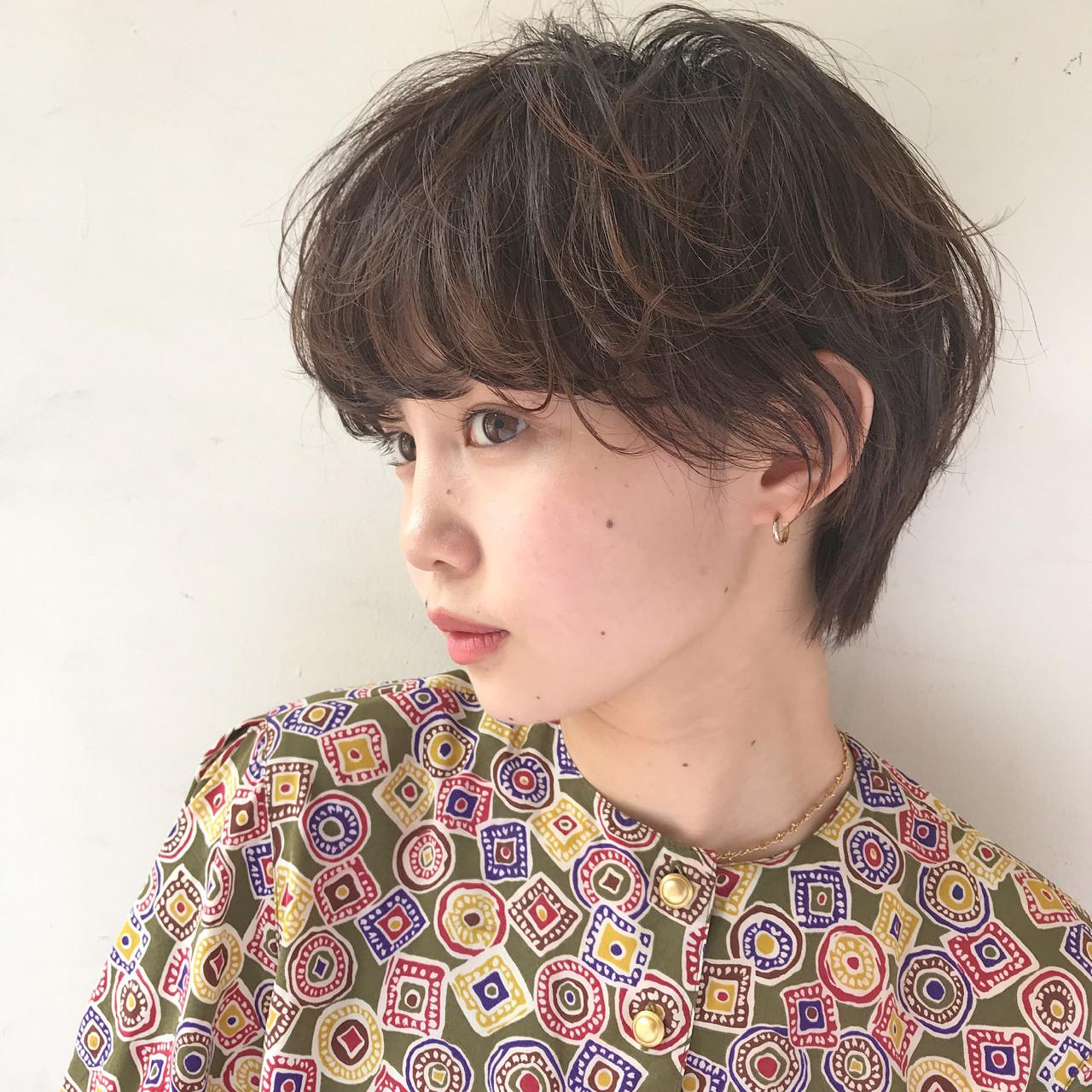 色気 ゆるふわ パーマ 外国人風ヘアスタイルや髪型の写真・画像