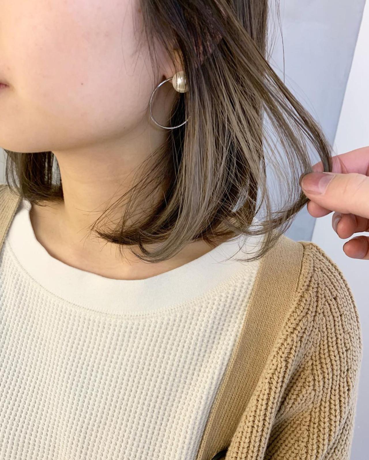 アンニュイほつれヘア インナーカラーホワイト インナーカラー デート ヘアスタイルや髪型の写真・画像 | MORNING.miya/@1031miya / HAIR MORNING.