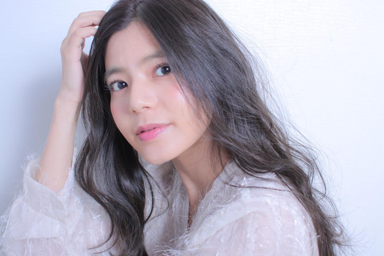 撮影 ゆるナチュラル アンニュイほつれヘア 大人かわいい ヘアスタイルや髪型の写真・画像 | Masayuki Seto / PROS:旭商店街店