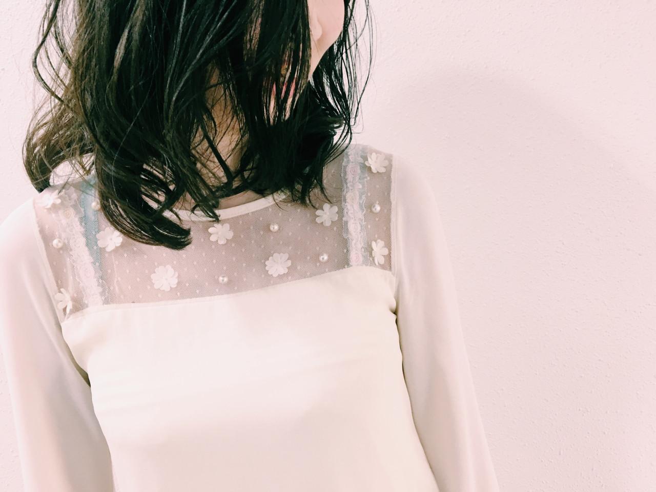 ミディアム 透明感 ダークアッシュ パーマ ヘアスタイルや髪型の写真・画像 | 長 賢太郎 / ky-go