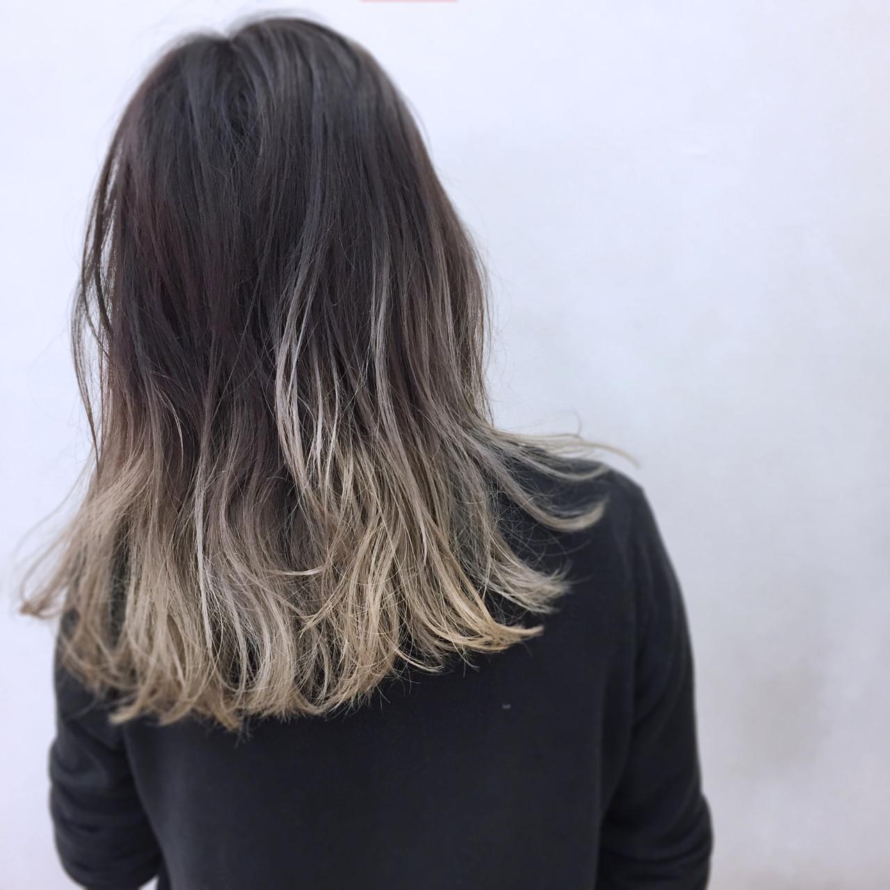 モード 外国人風 セミロング シルバーヘアスタイルや髪型の写真・画像