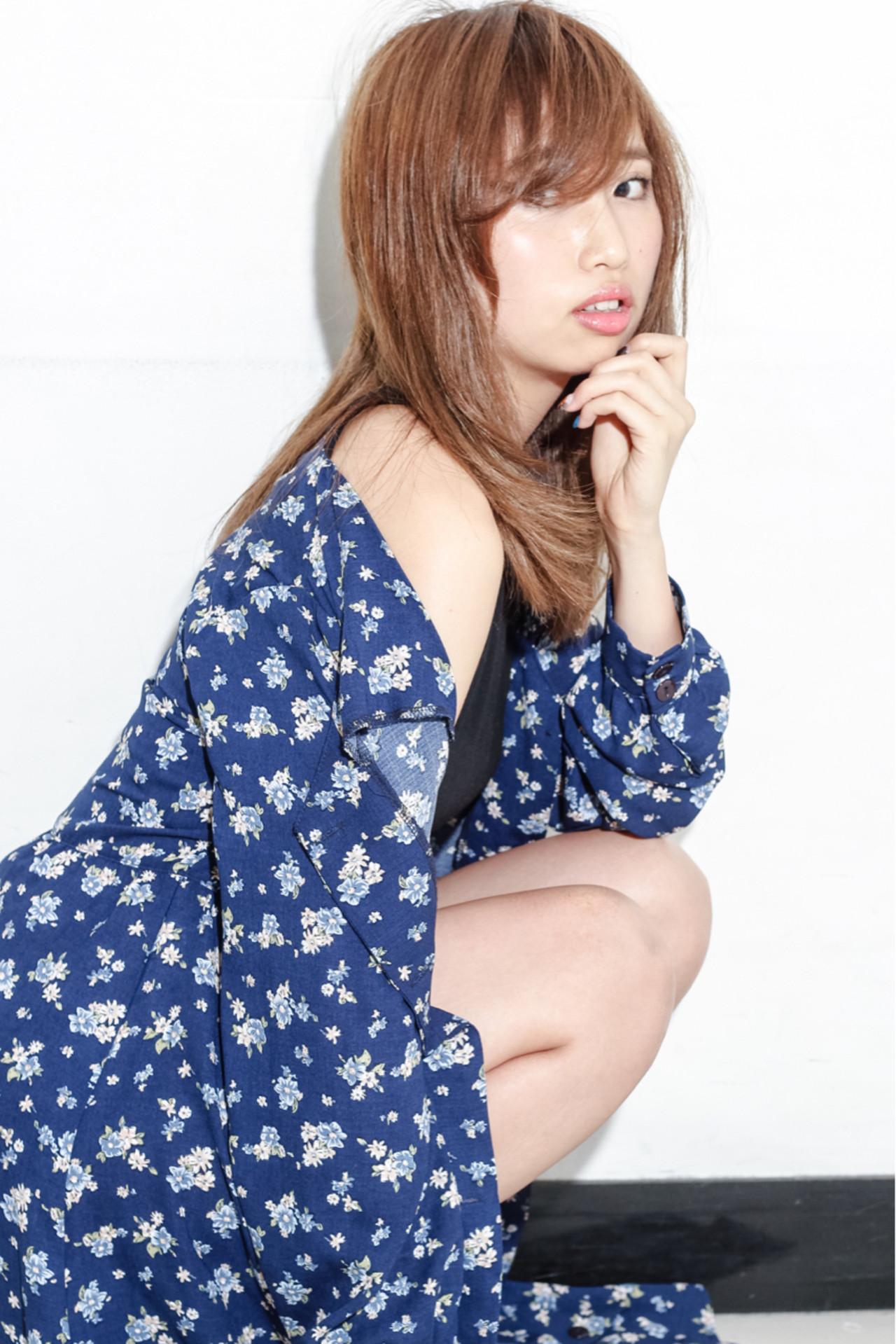 ストレート セミロング 大人女子 小顔 ヘアスタイルや髪型の写真・画像 | 神 雄介 / ZEST立川南口店