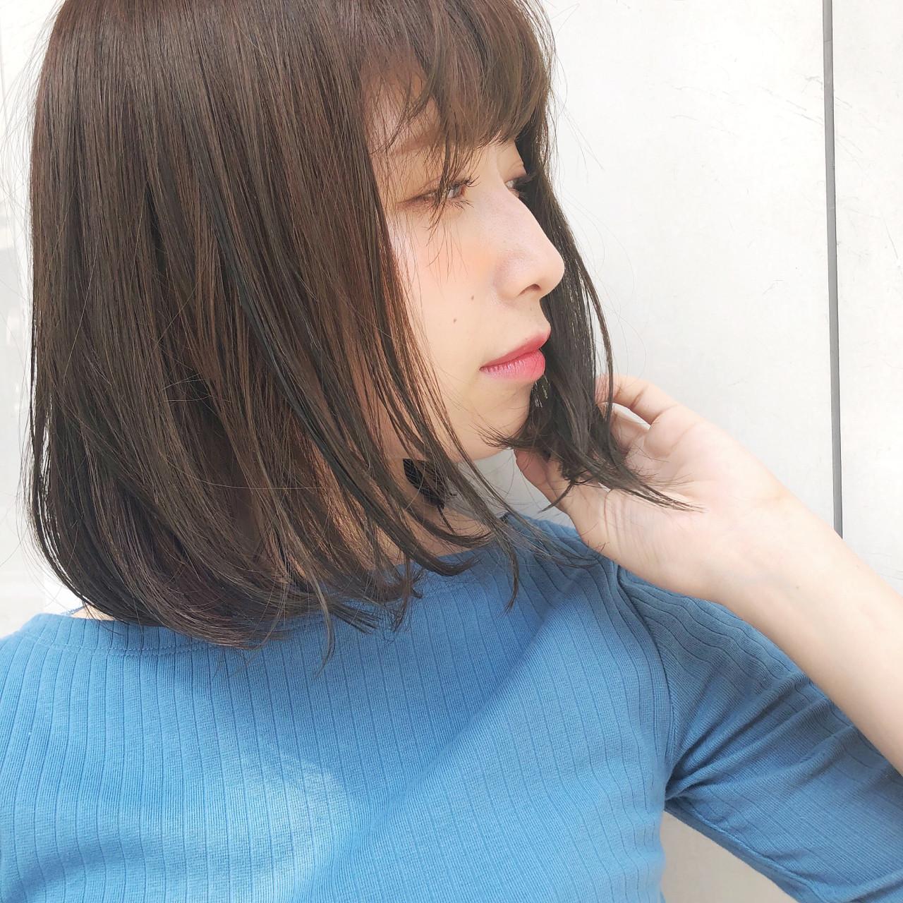 縮毛矯正 ボブ ミディアム オフィス ヘアスタイルや髪型の写真・画像 | [新宿]内田航 柔らかストレートとミディアムボブ / joemi by unami