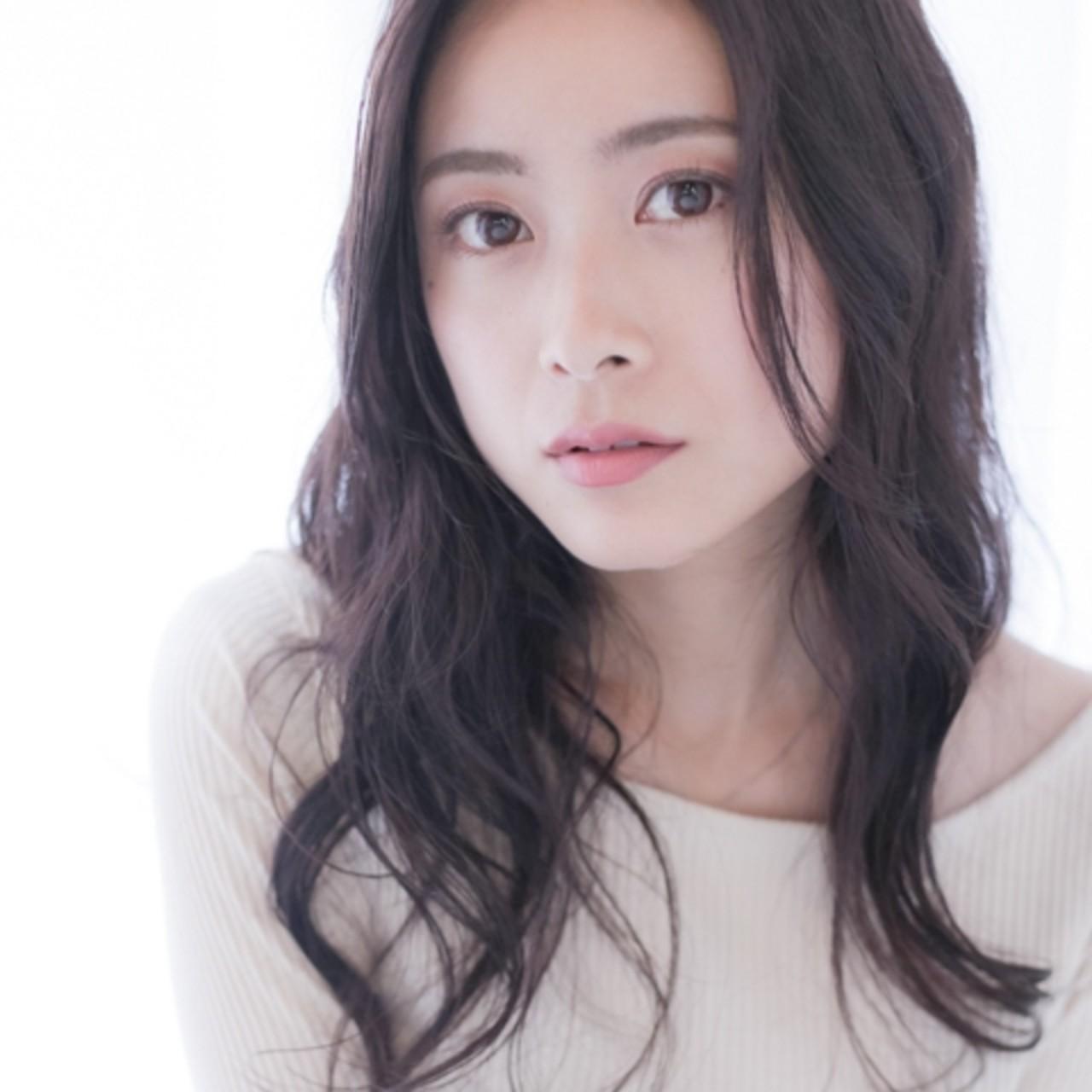 スモーキーカラー ゆるふわパーマ ナチュラル パーマ ヘアスタイルや髪型の写真・画像 | Saori Kastuki / holic