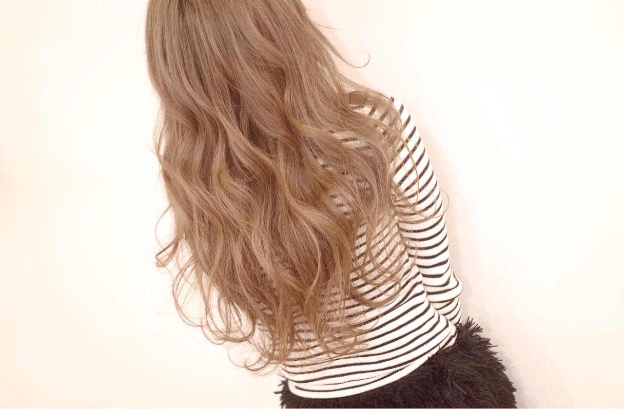 ロング ブリーチ 透明感 外国人風カラー ヘアスタイルや髪型の写真・画像   シモハラ ショージ / NT  hairdesignbase