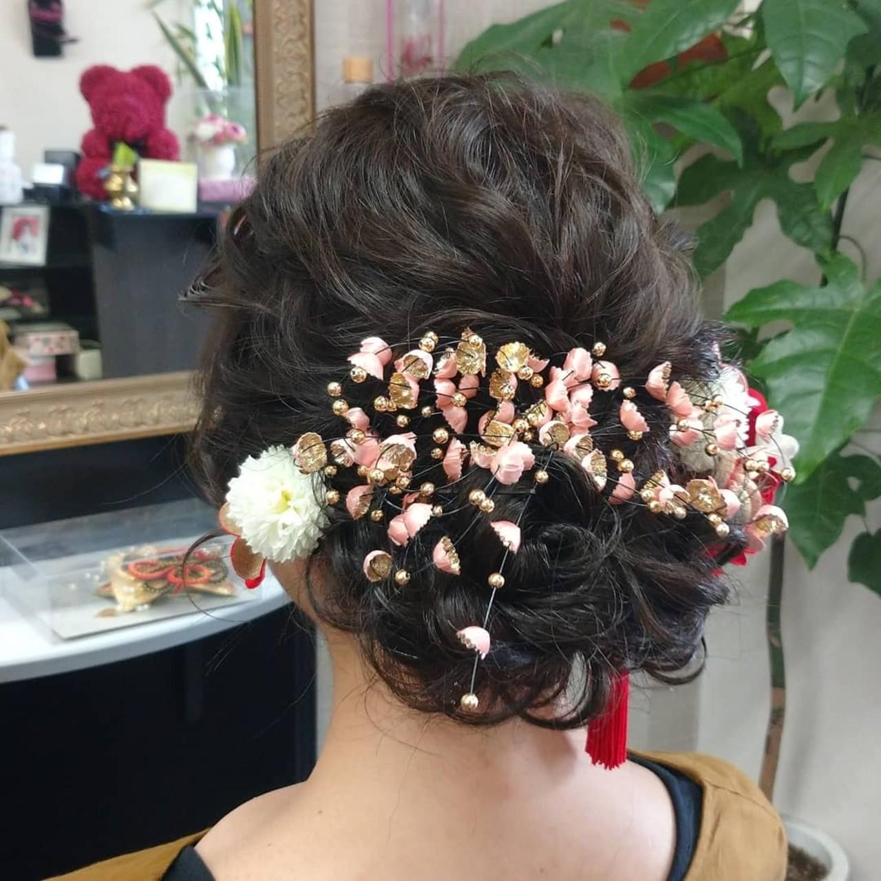 ナチュラル ヘアアレンジ 成人式 セミロングヘアスタイルや髪型の写真・画像