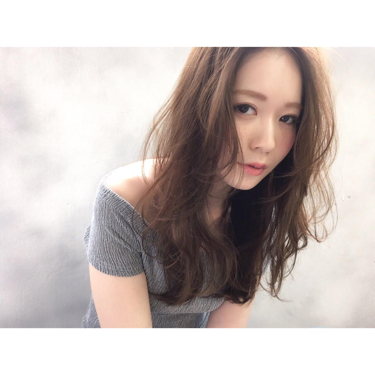 前髪あり 大人かわいい ロング 外国人風 ヘアスタイルや髪型の写真・画像 | 高橋 アリサ /