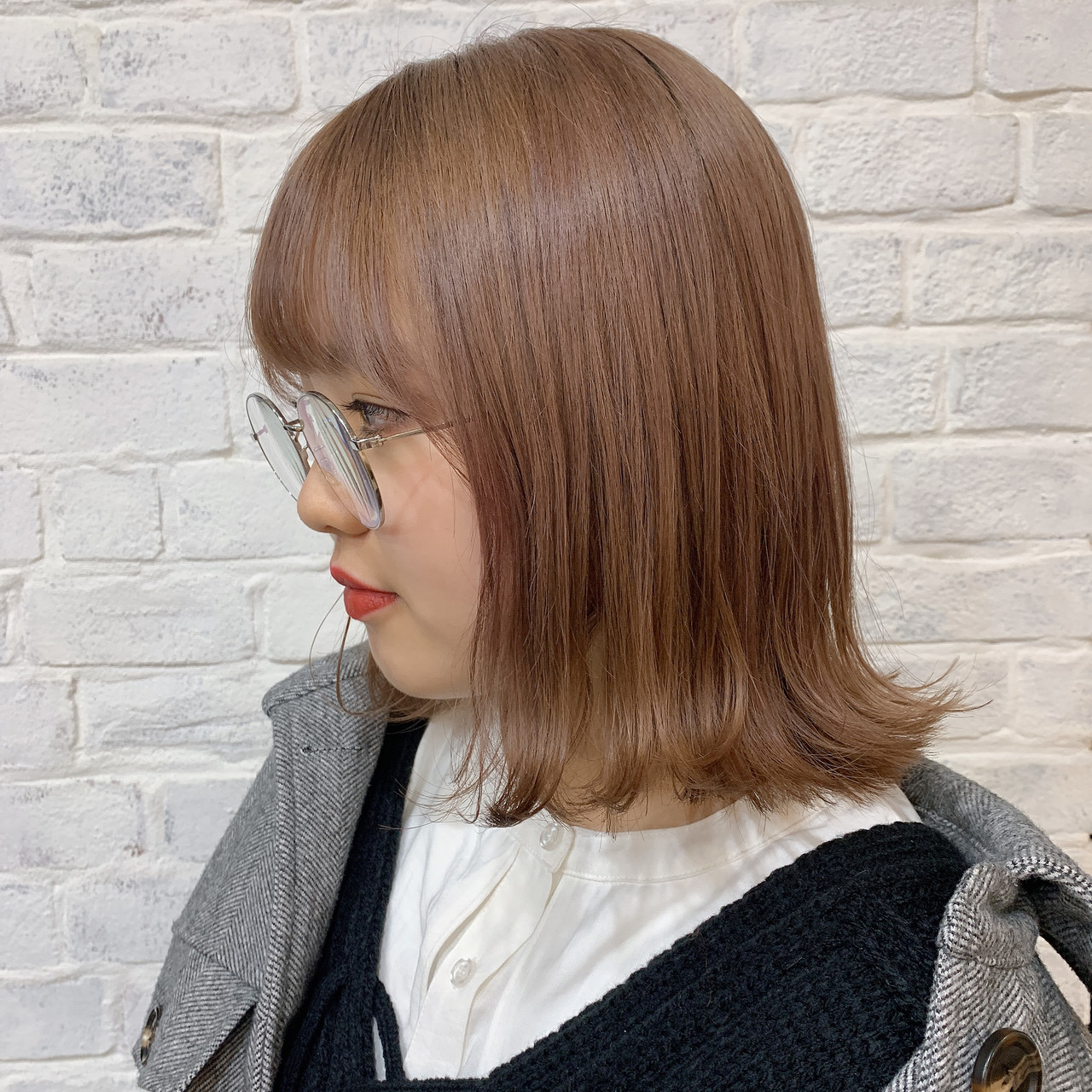 ナチュラル ミルクティーベージュ ミルクティーアッシュ ダブルカラーヘアスタイルや髪型の写真・画像
