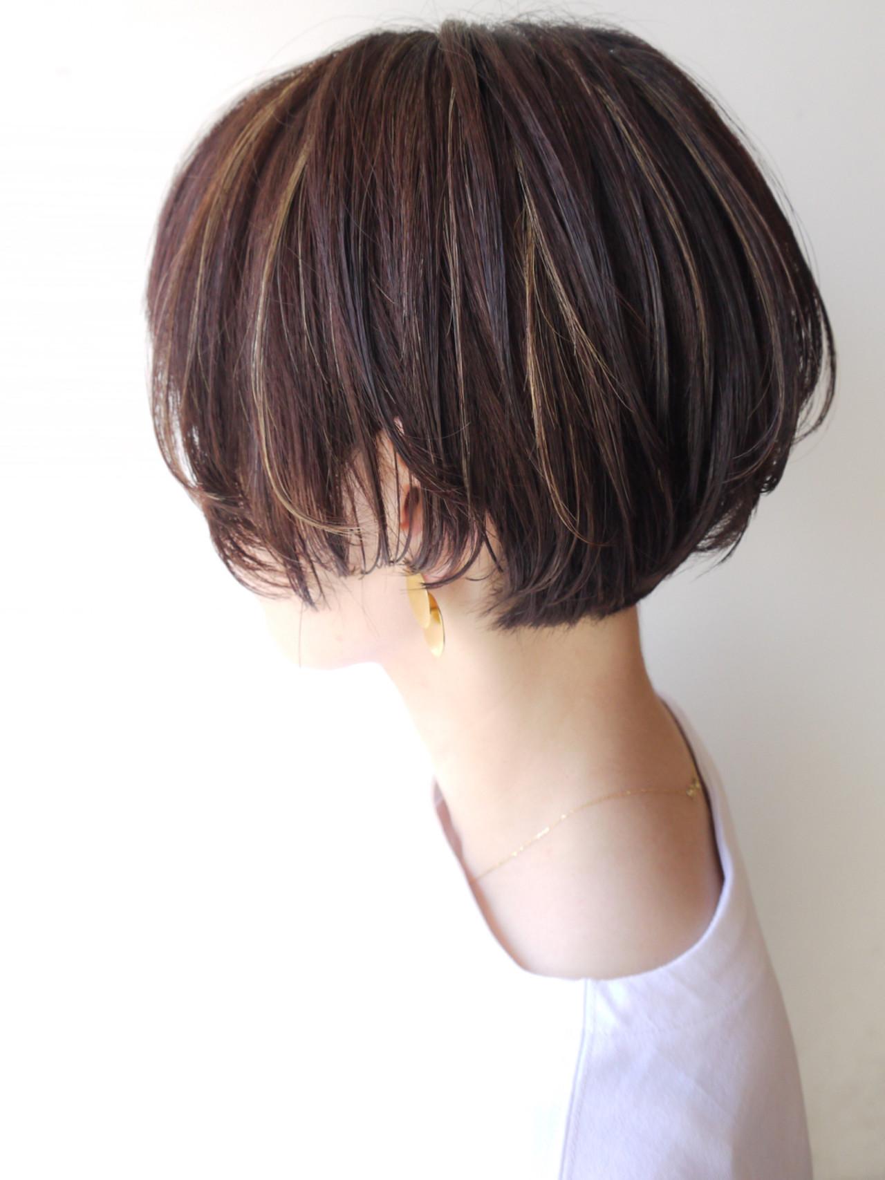 ハイライト ショートボブ ショート オフィス ヘアスタイルや髪型の写真・画像 | HIROKI / roijir / roijir