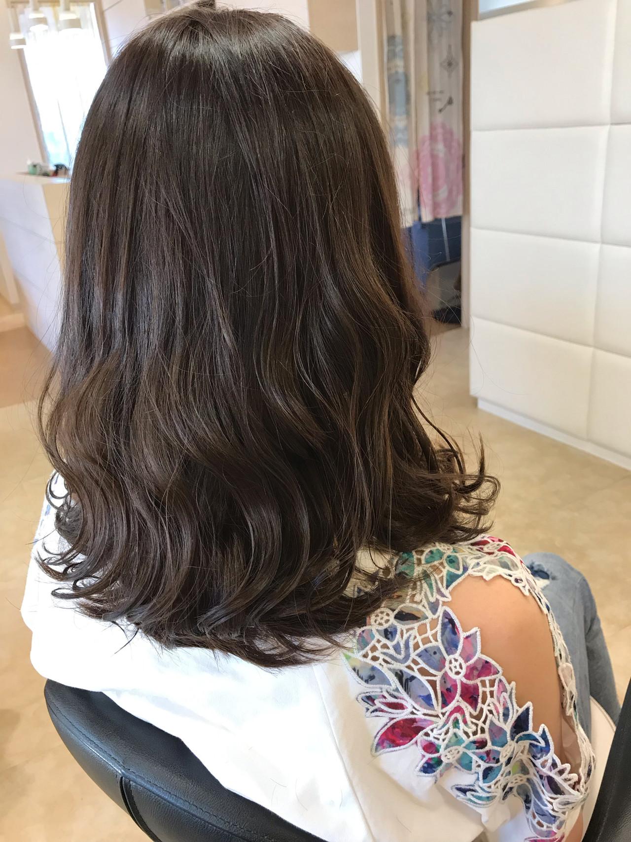 オフィス 簡単ヘアアレンジ ナチュラル アウトドア ヘアスタイルや髪型の写真・画像 | 志賀 貴人 / 桜DECOティンプル