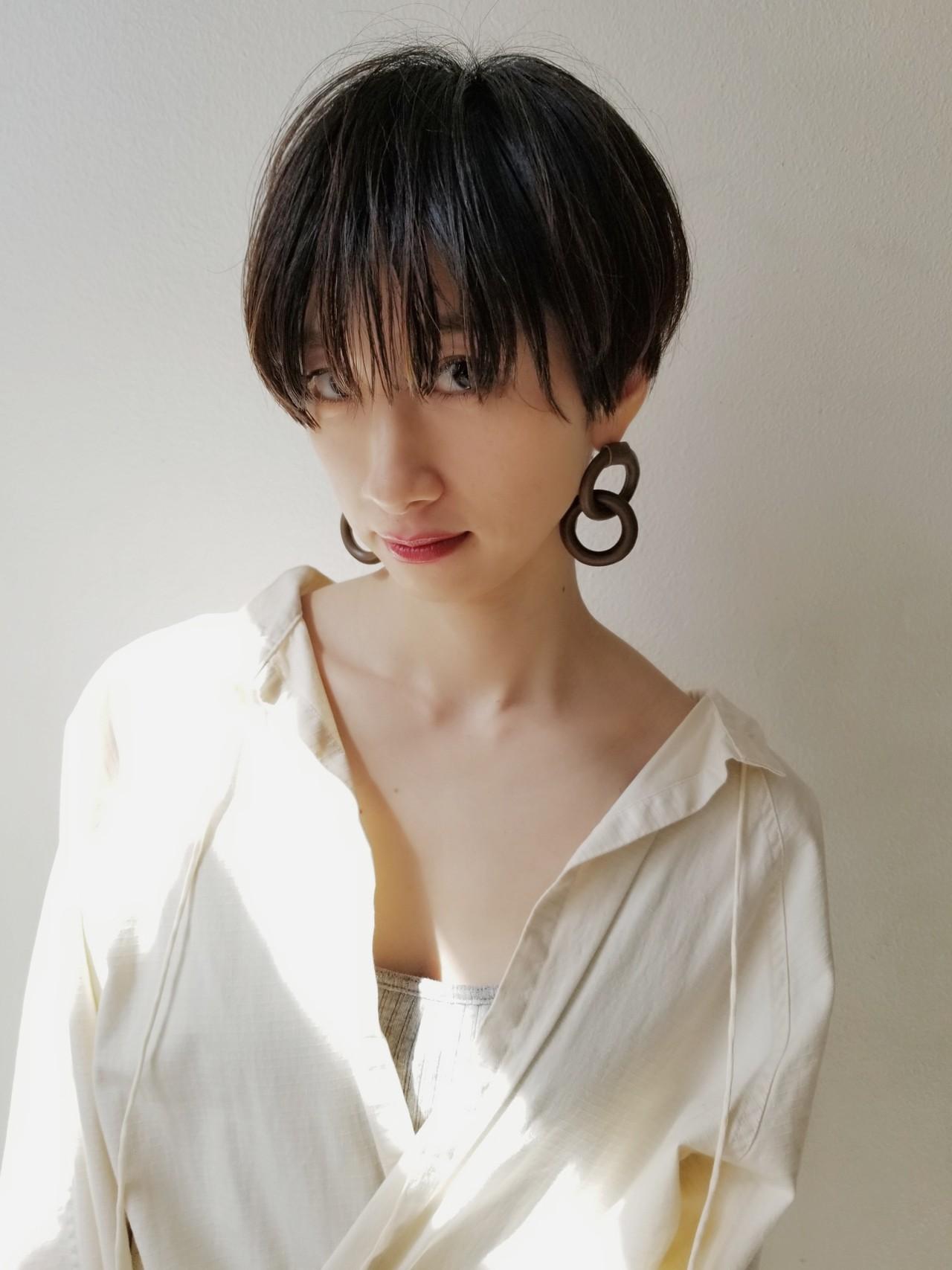 デート モード 大人女子 ハンサムショートヘアスタイルや髪型の写真・画像
