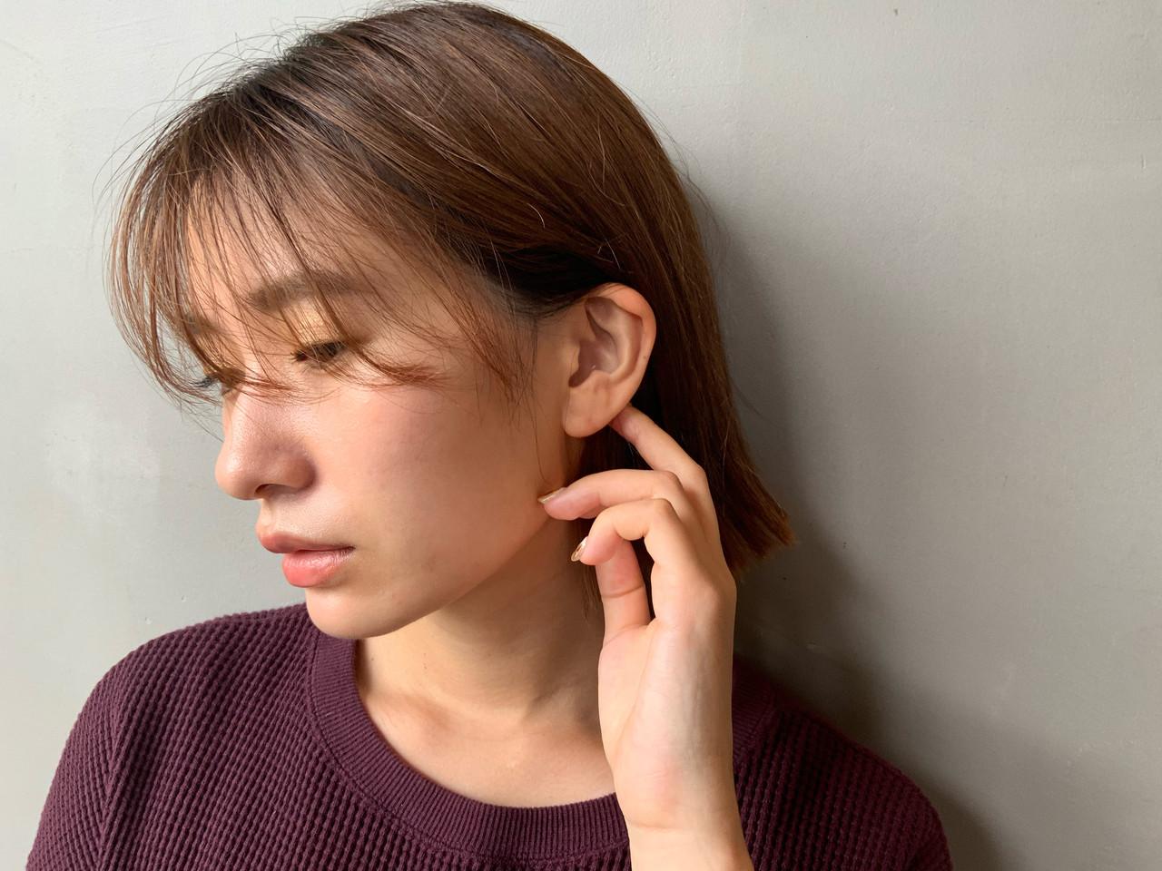 ショートヘア 切りっぱなしボブ ナチュラル アッシュベージュ ヘアスタイルや髪型の写真・画像 | Yohei Kato / Lin'ne 代表