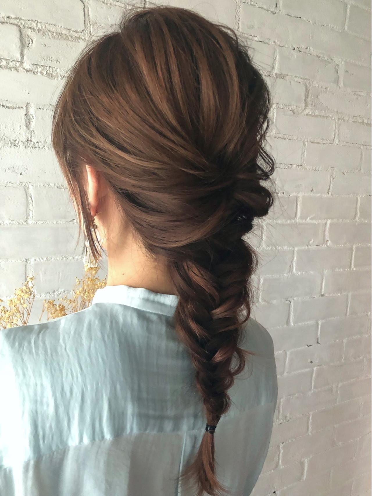 簡単ヘアアレンジ フェミニン まとめ髪 ロング ヘアスタイルや髪型の写真・画像 | 亀山 ゆきほ / BelleBIANCA