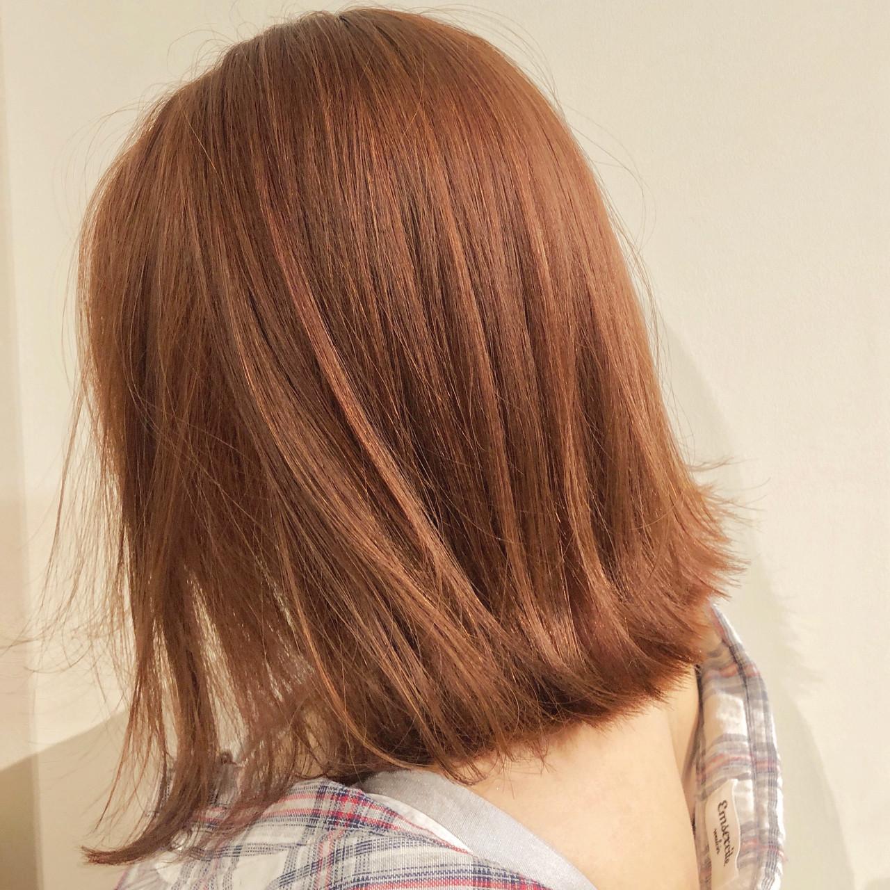 フェミニン ミディアム ブリーチなし オレンジカラー ヘアスタイルや髪型の写真・画像