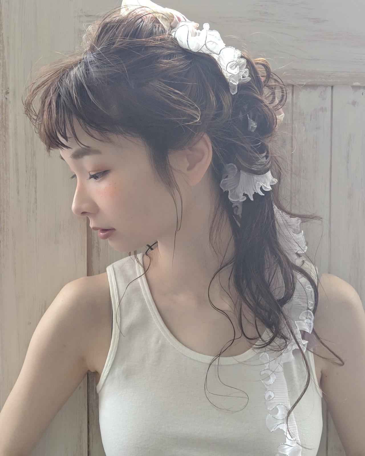 結婚式 前髪パッツン リボンアレンジ エレガント ヘアスタイルや髪型の写真・画像