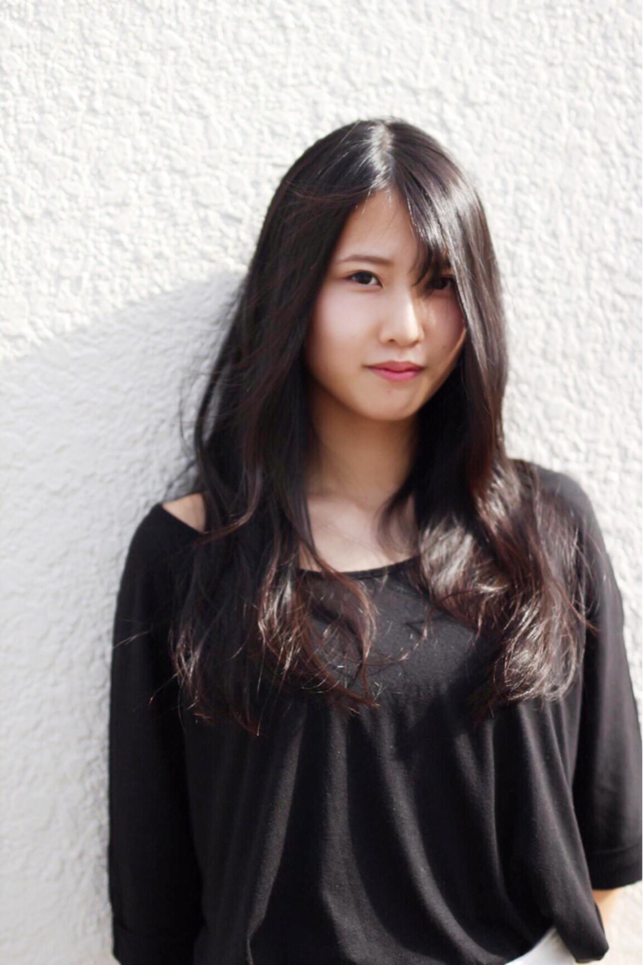 シースルーバング ロング 黒髪 パーマ ヘアスタイルや髪型の写真・画像   中村 亮介 / Roxas