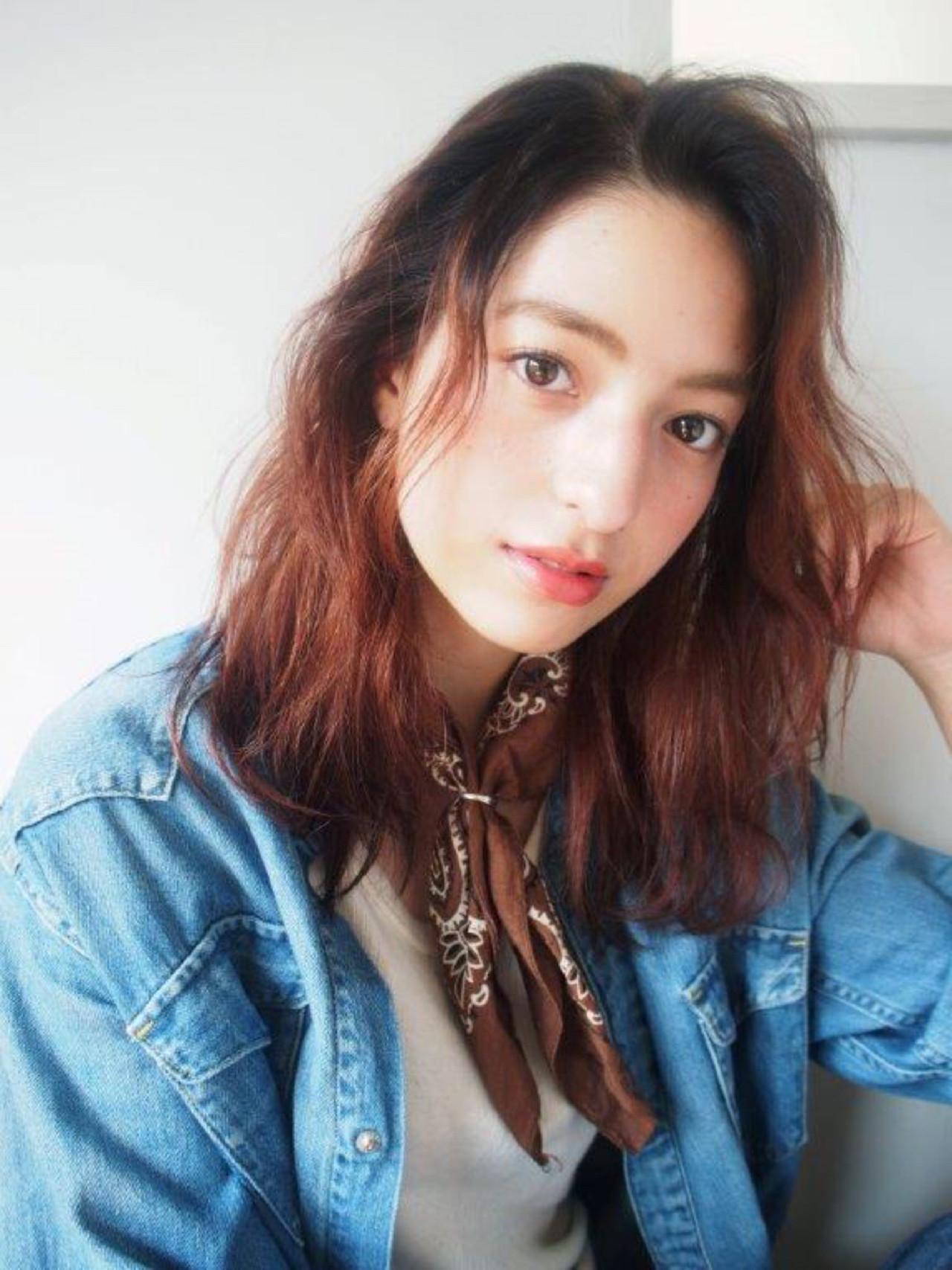 レイヤーカット パーマ グラデーションカラー ナチュラル ヘアスタイルや髪型の写真・画像 | 鈴木 成治 / LOAVE AOYAMA(ローヴ アオヤマ)