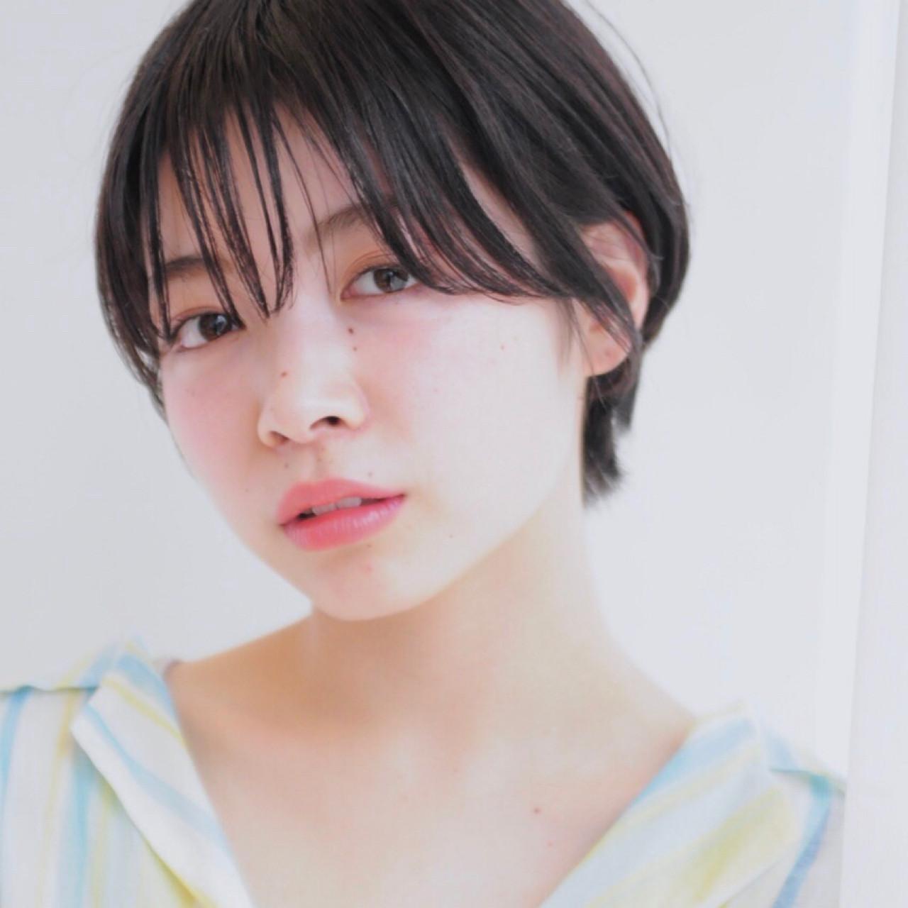 マッシュショート ナチュラル ショート マッシュ ヘアスタイルや髪型の写真・画像   小走 祥菜 / tricca daikanyama