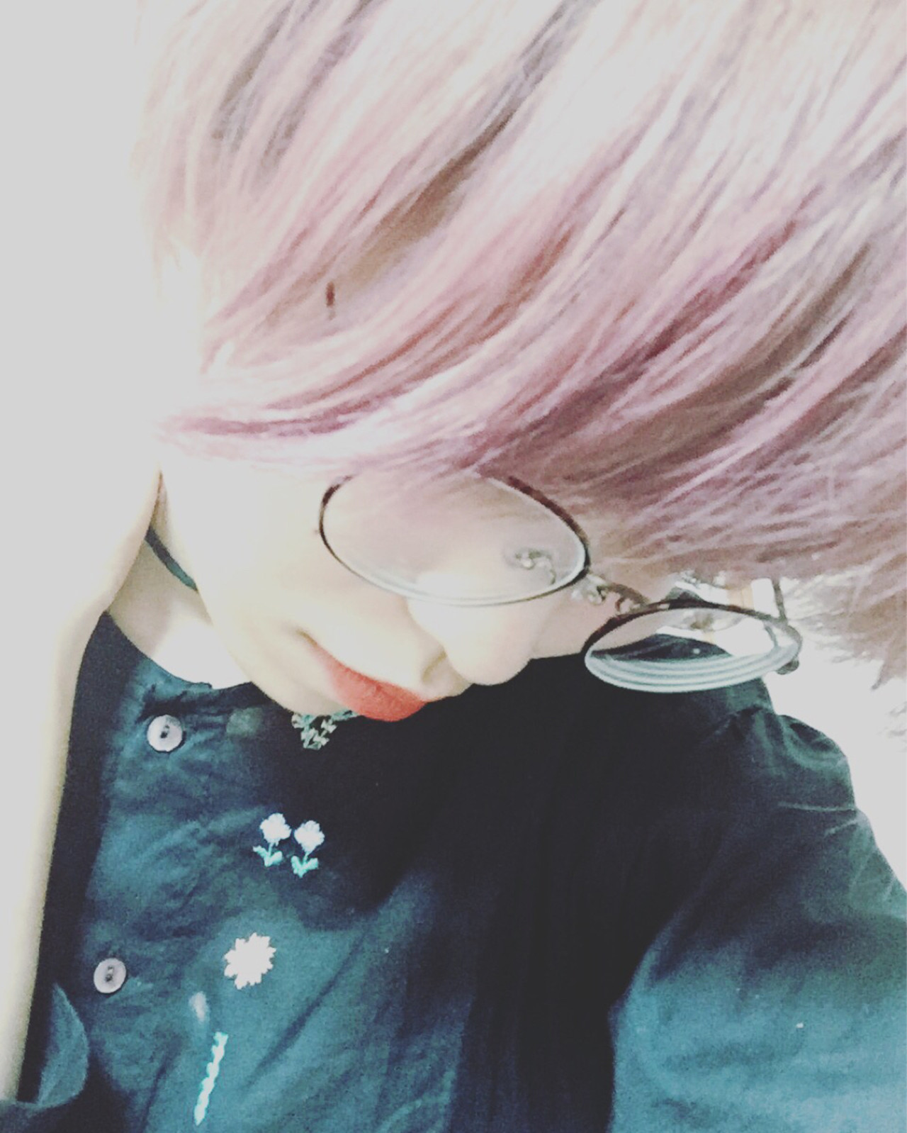 ダブルカラー 透明感 ピンクアッシュ ピンクヘアスタイルや髪型の写真・画像