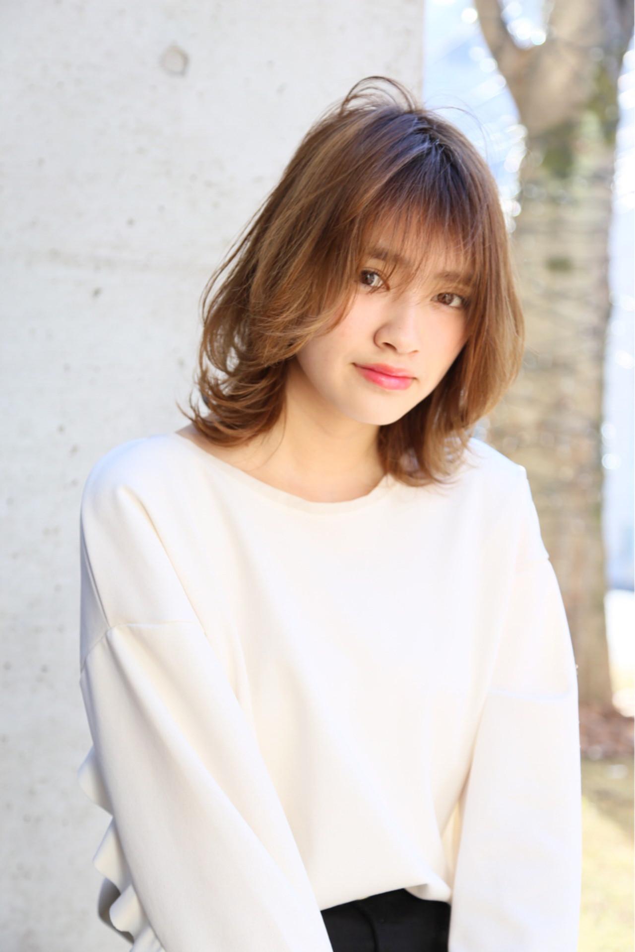フリンジバング アッシュベージュ シースルーバング ナチュラル ヘアスタイルや髪型の写真・画像 | Mayu / a