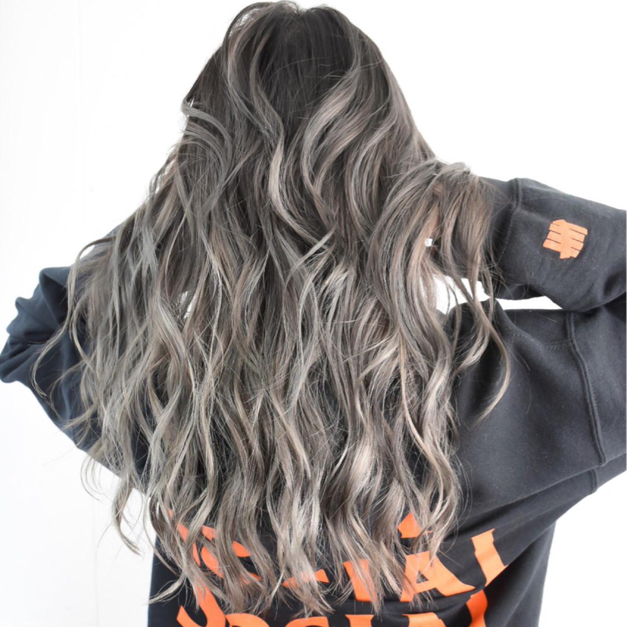 ロング ストリート バレイヤージュ ハイライト ヘアスタイルや髪型の写真・画像 | 池谷 翔平 / zelo