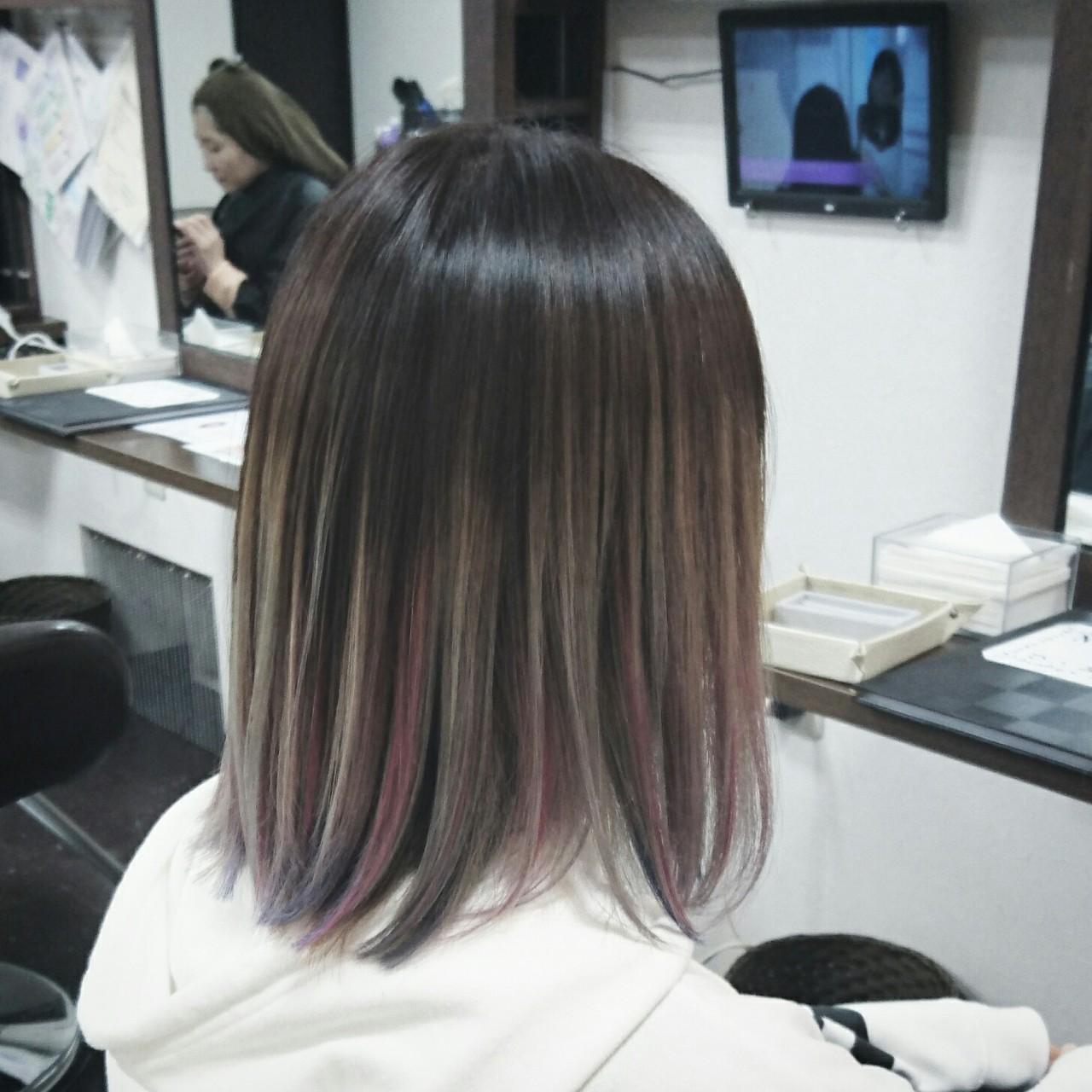 インナーカラー グラデーションカラー グレージュ ハイライトヘアスタイルや髪型の写真・画像