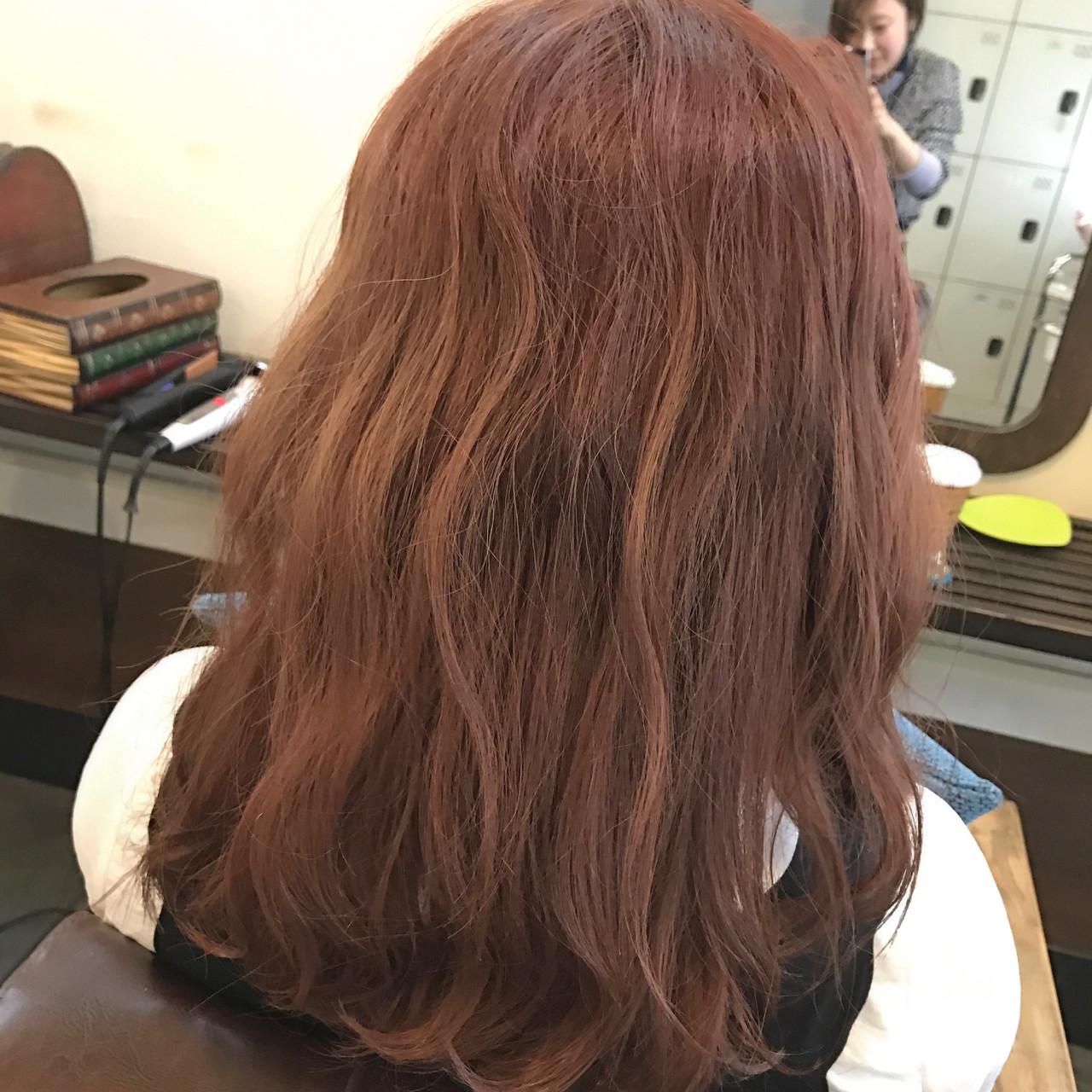 ベージュ ベリーピンク レッド 波ウェーブ ヘアスタイルや髪型の写真・画像   桝田 由佳 / フリーランスでしてます!お電話のご予約不可です