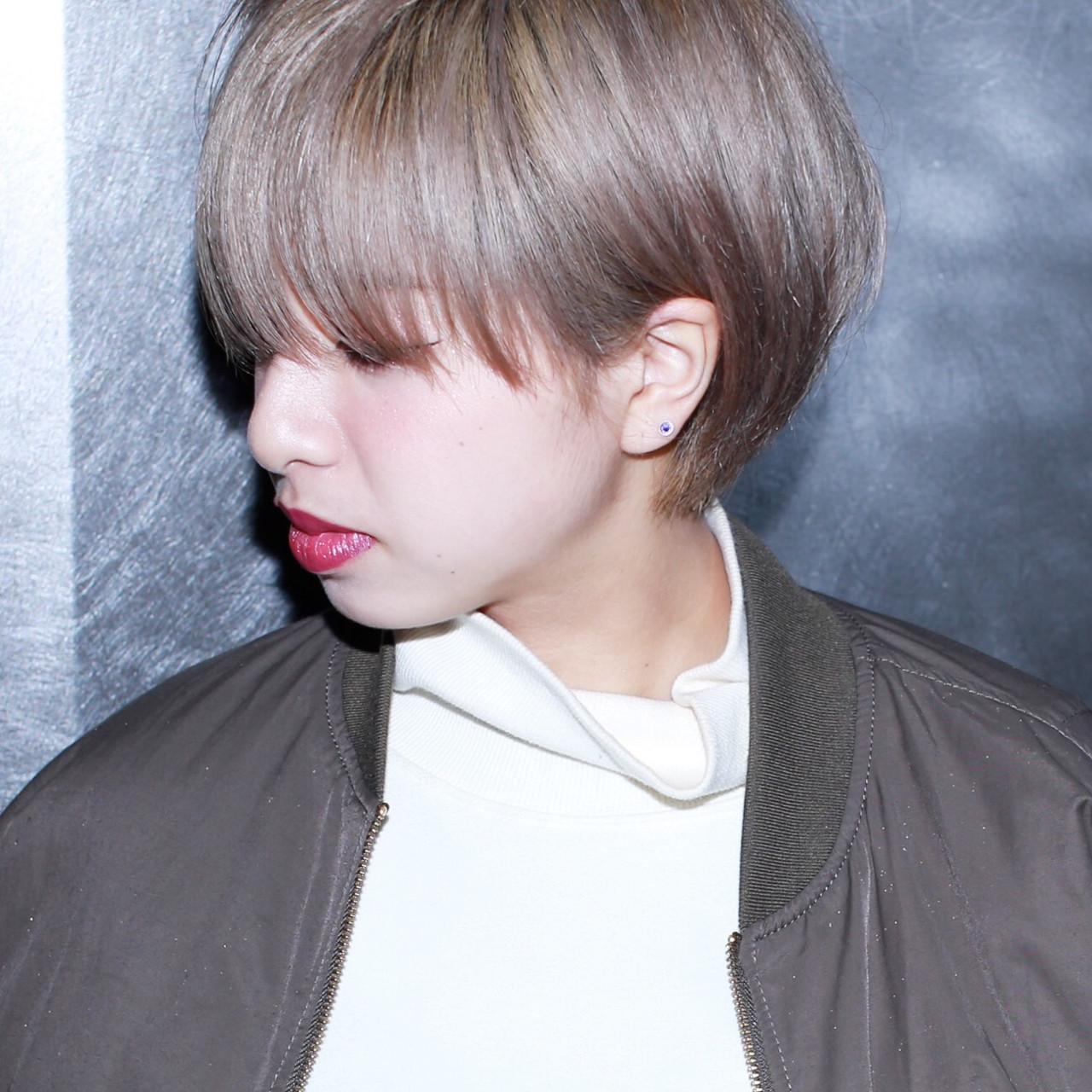 ハイトーン ミルクティーベージュ ダブルカラー 外国人風カラーヘアスタイルや髪型の写真・画像