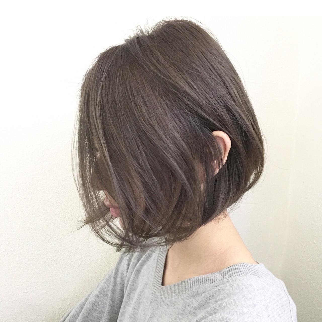 大人女子 小顔 アッシュ ミルクティー ヘアスタイルや髪型の写真・画像   落合 健二 / hair ales