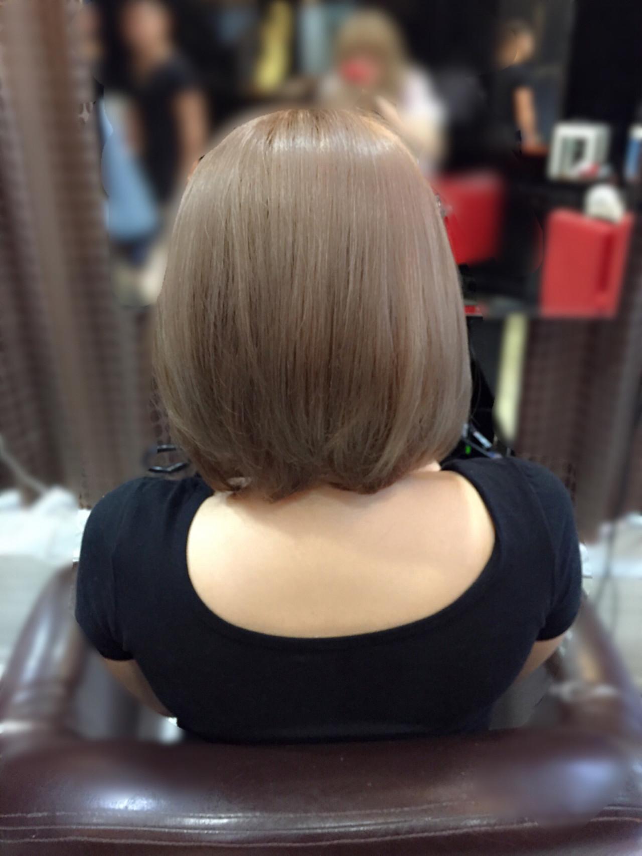 ボブ ヌーディベージュ ベージュ 透明感ヘアスタイルや髪型の写真・画像