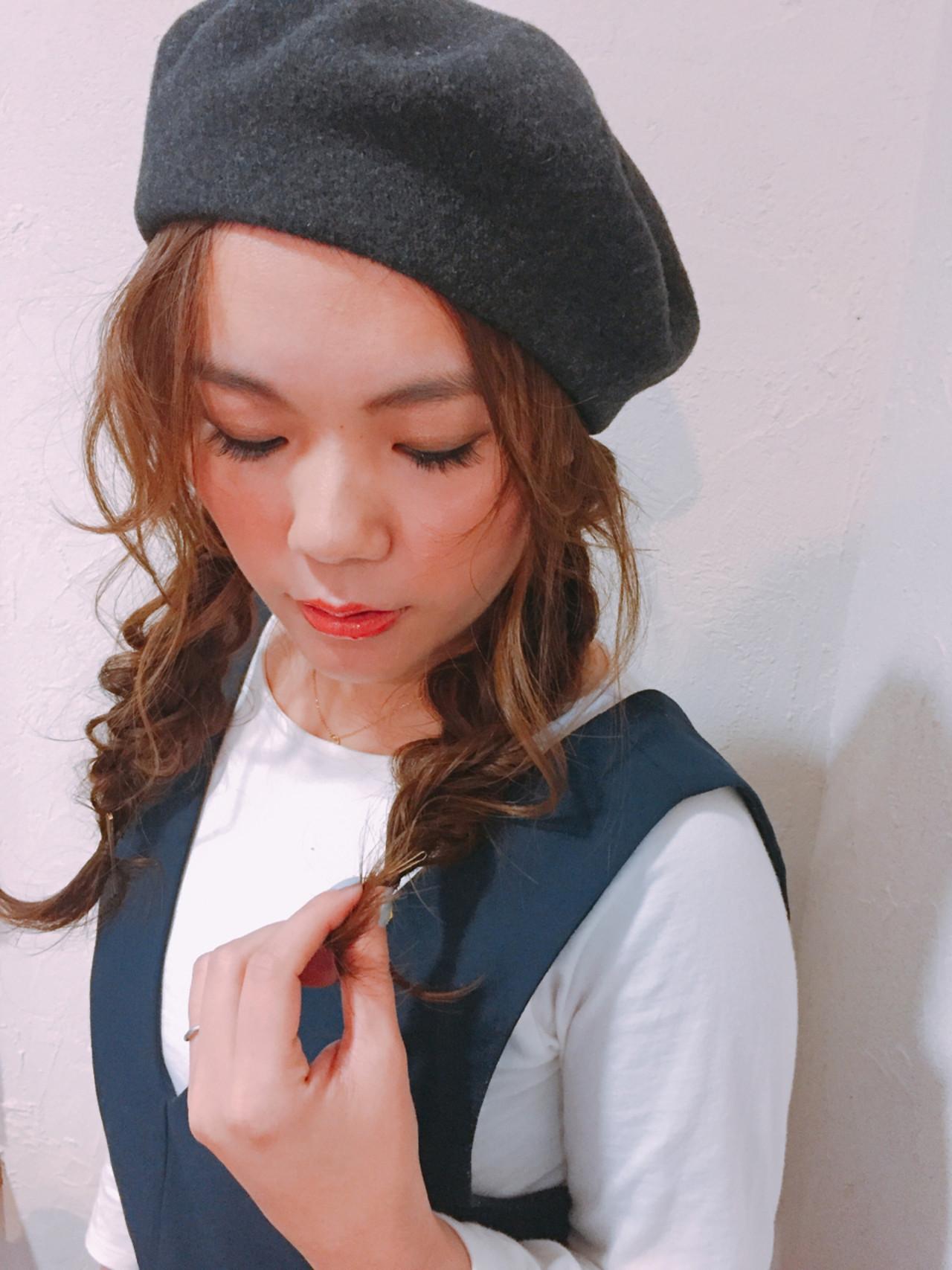ベレー帽 編み込み ロング ナチュラル ヘアスタイルや髪型の写真・画像 | elfo きしもと / elfo