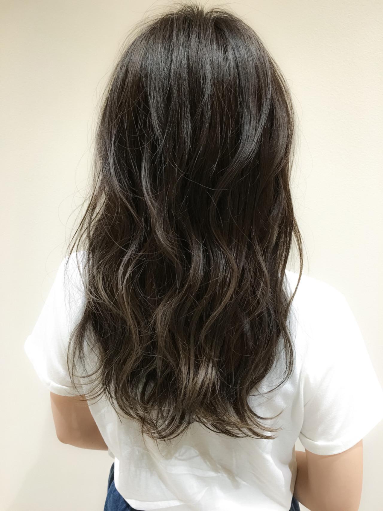 オフィス デート アンニュイ ロングヘアスタイルや髪型の写真・画像