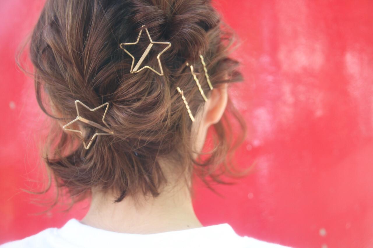 ショート 伸ばしかけ ショートボブ アウトドアヘアスタイルや髪型の写真・画像