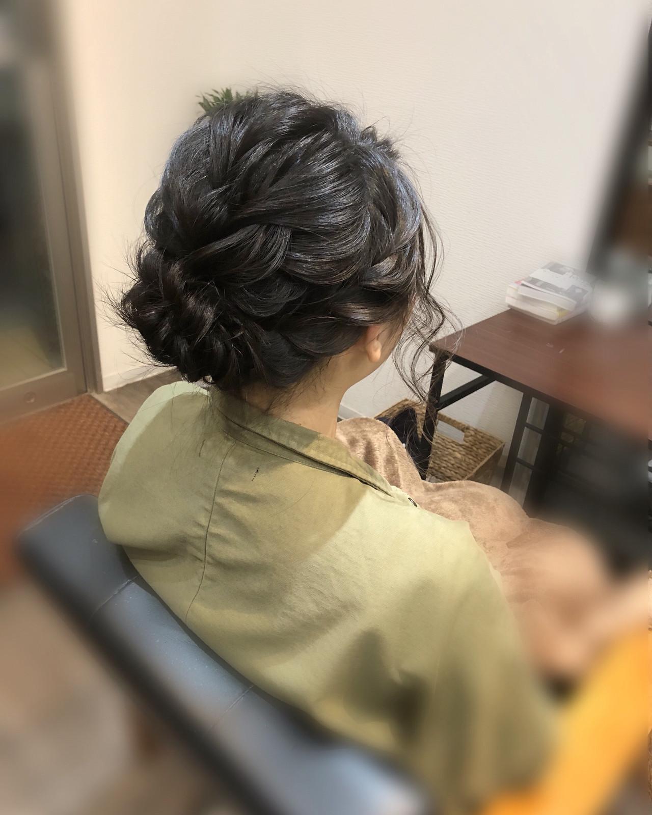 ねじり アップ ミディアム フェミニン ヘアスタイルや髪型の写真・画像 | mai / HAIR SALON STELLA
