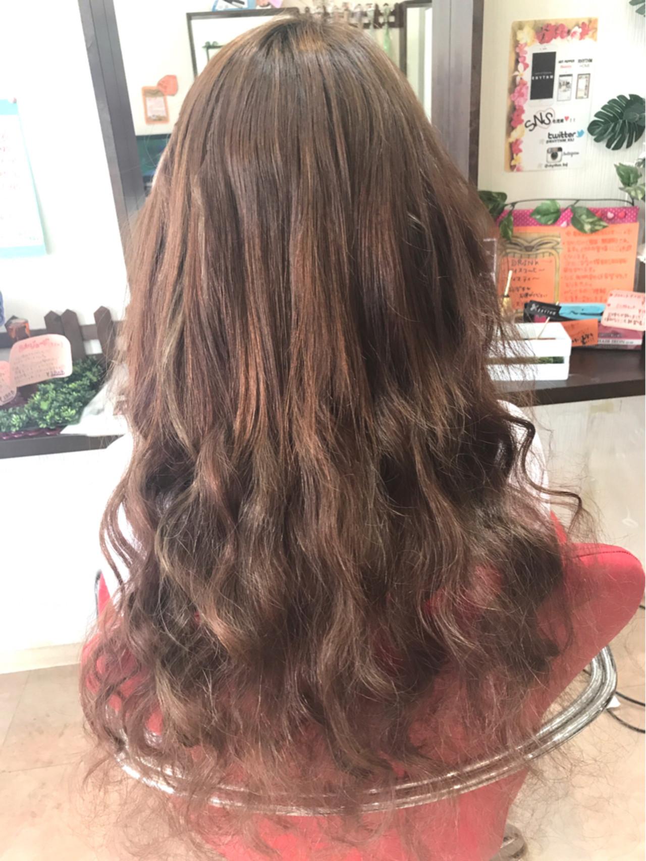 ナチュラル ロング 秋 抜け感 ヘアスタイルや髪型の写真・画像 | リズム / エクステンションリズム北千住店