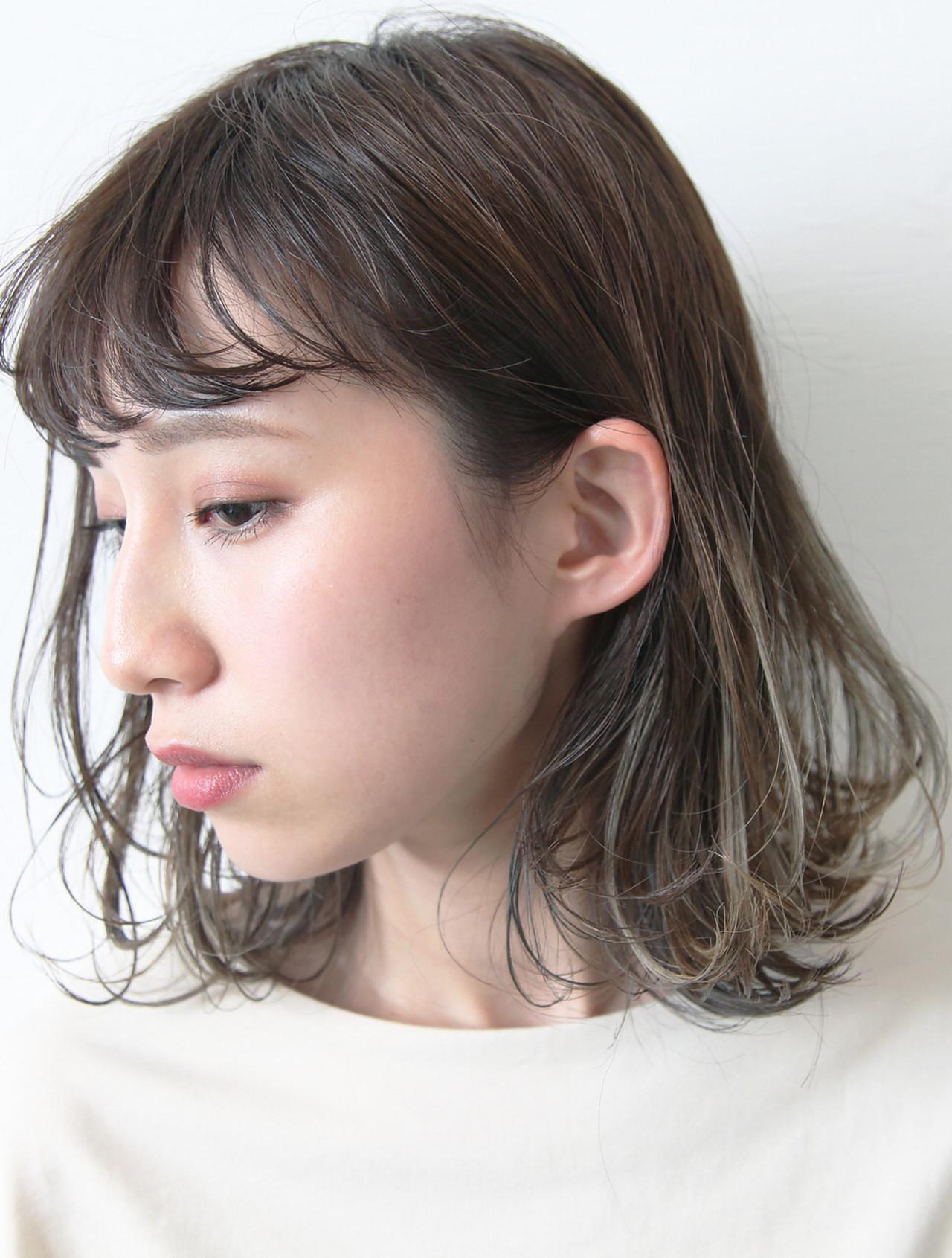 アッシュ ボブ ダブルカラー 大人かわいい ヘアスタイルや髪型の写真・画像 | 畑山拓也 / Baco.