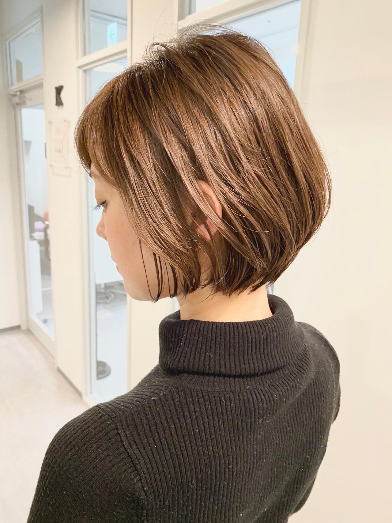 ショート デート ショートボブ オフィスヘアスタイルや髪型の写真・画像
