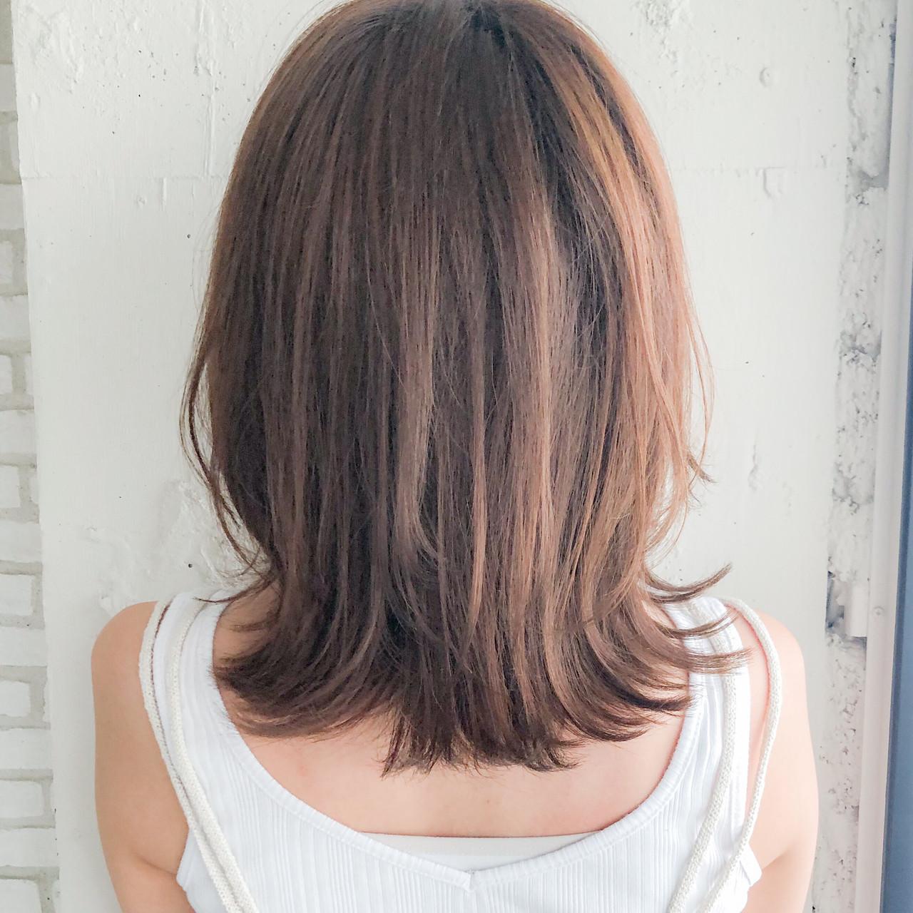 大人かわいい ミルクティーブラウン アッシュグレージュ 前髪ヘアスタイルや髪型の写真・画像
