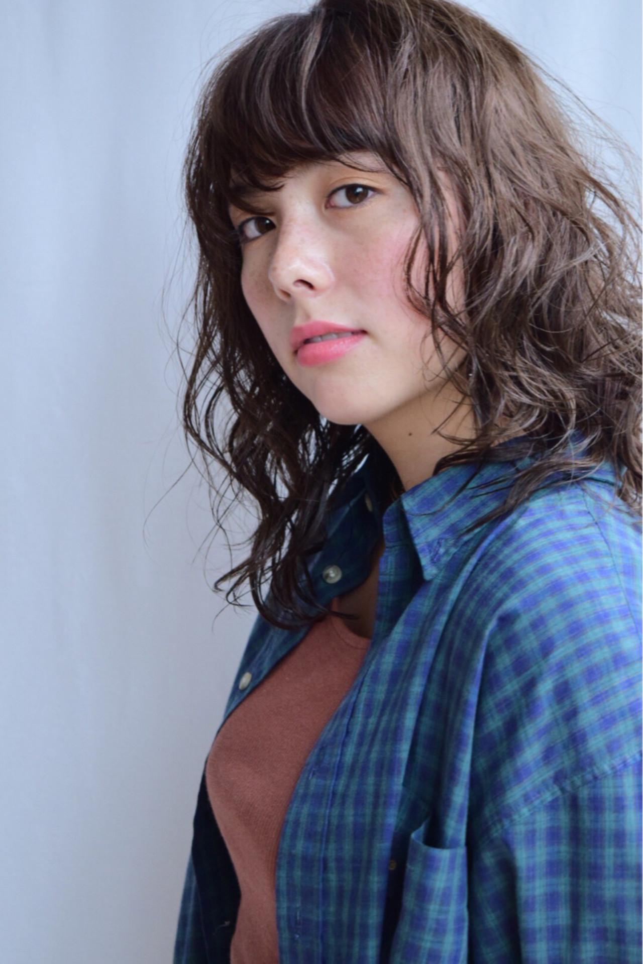 外国人風カラー デート スポーツ ミディアム ヘアスタイルや髪型の写真・画像   吉田直人 / tricca balcony hayama
